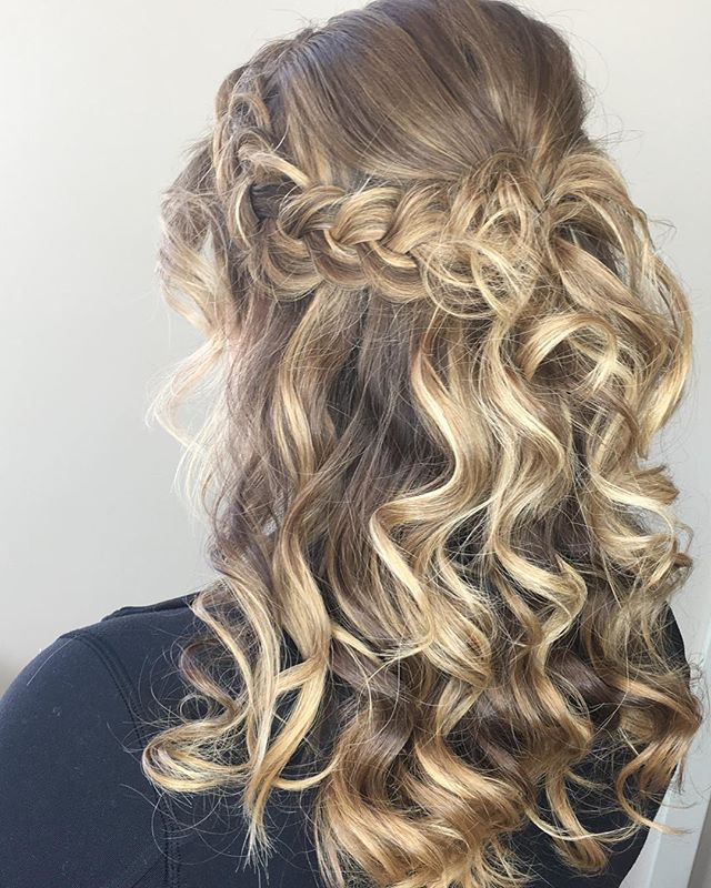 Quick half-up do for a fun night #tanaz_hair #updo #braid #hairstyles #beauty