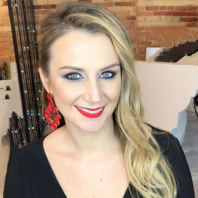 Makeup and hairstyle for this beauty. Red lips look so good with her jewelry #grandrapidshair #grandrapidsmakeupartist #makeupgrandrapids #grandrapidsmakeup #redlips #lamakeup #microbladinggrandrapids #makeupla #weddingmakeup #bridalmakeup