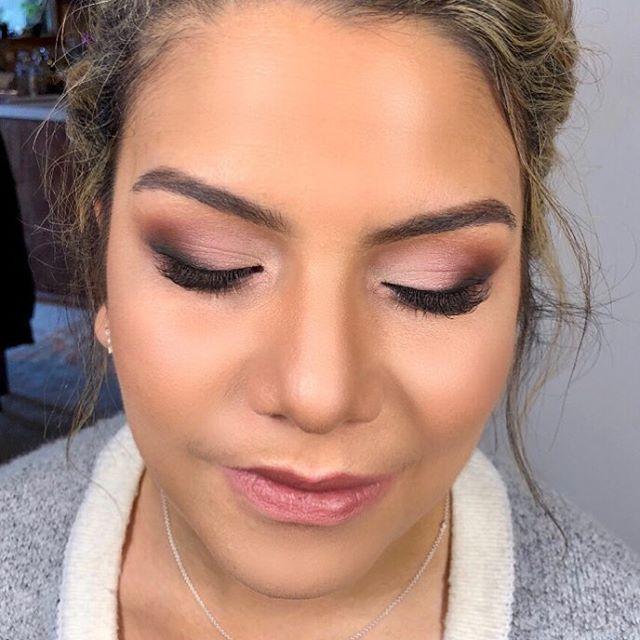 Matte pinkish eyeshadow looks so good on olive type of skin. @doseofcolors eyeshadows make my work so easy❤️ Матовые розовые тени идеально подходят для кожи с оливковковым оттенком. Тени @doseofcolors идеально растушёвываются и прекрасно ложатся даже без перламутровой подкладки.  #losandjelesmakeup #makeupla #lamakeup #lamakeupartist #roseeyeshadow #doseofcolors #airbrushmakeup #temptuairbrush #grandrapidsmakeupartist #grandrapidsmakeup #grandrapidsmakeupartist #grandrapidsmakeup #dtlamakeup #dtlamakeupartist #макияжглаз #розовыетени