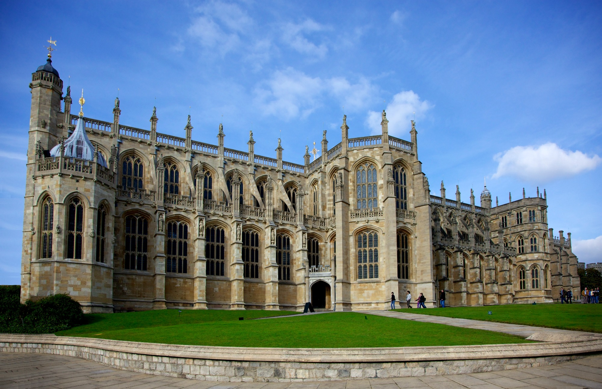 St. George's Chapel at Windsor Castle. Windsor, England. Photo by Aurelien Guichard from London.