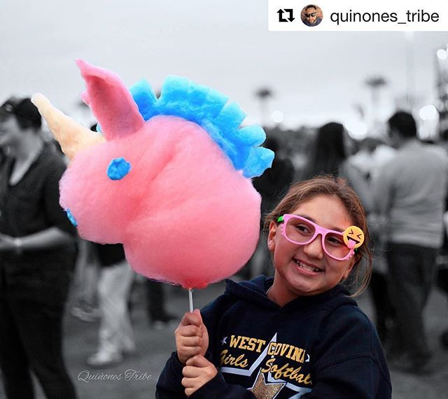 Happy Unicorn Day! Hope you're all having a magical Sunday 🦄✨ ☁️ 🌥 ⛅️ #repost 📸: @quinones_tribe  #la #losangeles #laeats #unicorns #unicornday #food #foodies #cottoncandy #sugar #dessert