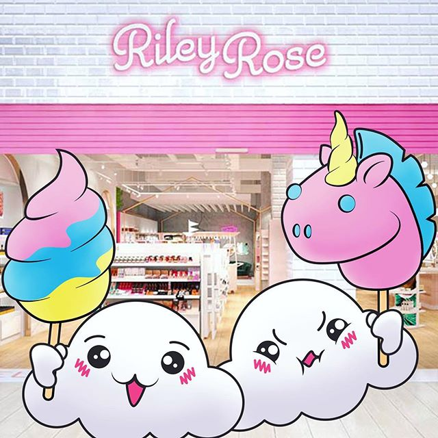 Hi cloud foodies!~~ come visit us at Riley Rose💕 in Glendale Galleria this weekend March 30th- April 1st 😋✌we will be spinning up your favorite cute colored cotton candy poop, flowers, hearts && unicorns~!!☁️💐💗🦄 Dates&Times~ 🌟 March 30th- 12-8pm 🌟 March 31st- 4pm-9pm 🌟 April 1st- 12-6pm . . . #cloudfood #rileyrose #cloudfoodcreations #cottoncandyart #cottoncandy #candyfloss #foodart #foodiela #lafoodie #kawaiifood #kawaiilife #kawaii #sugarart #poop #unicorn #unicorncottoncandy #totti