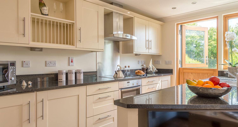 Court-cottage-into-kitchen.jpg