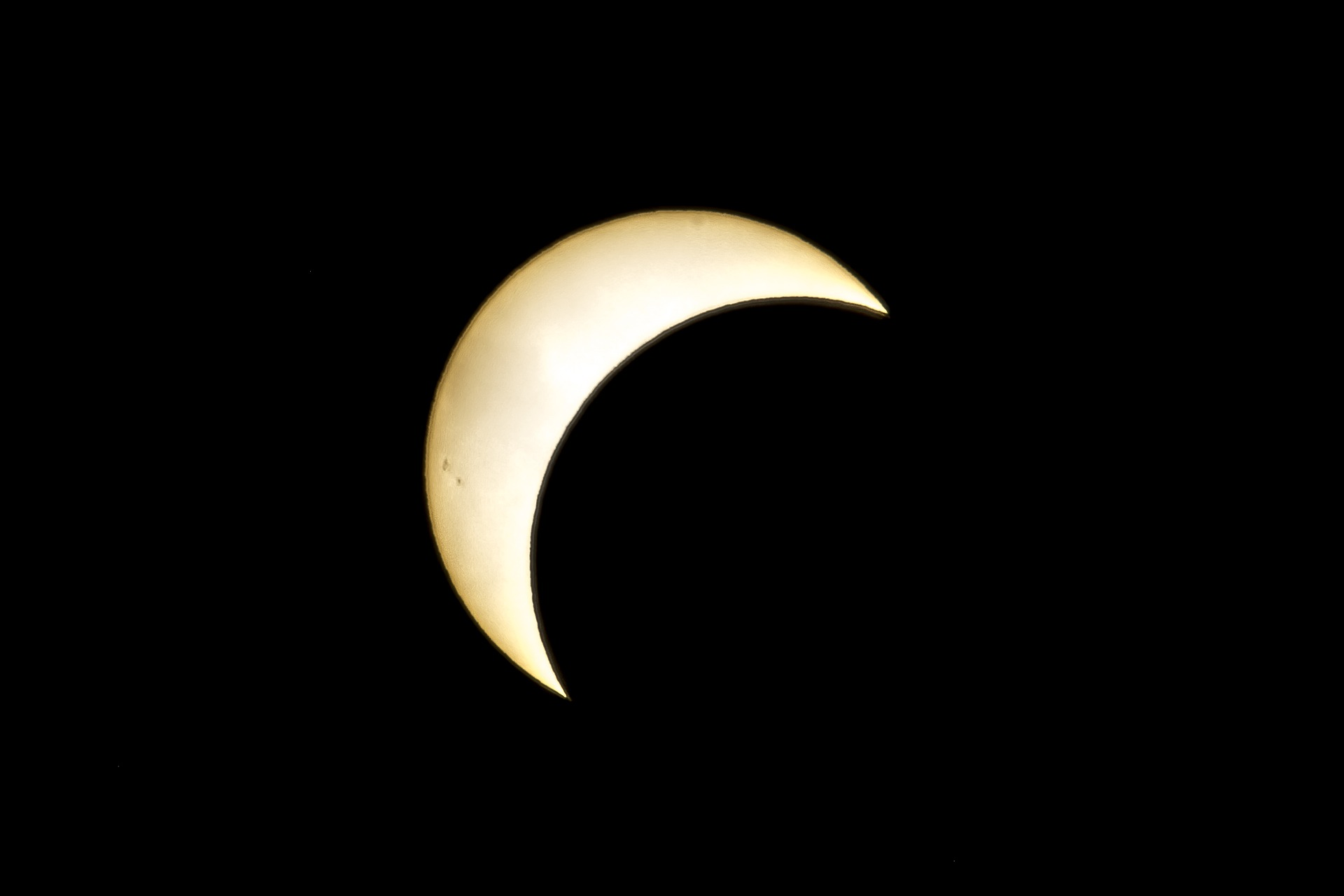 eclipse-2667047_1920.jpg