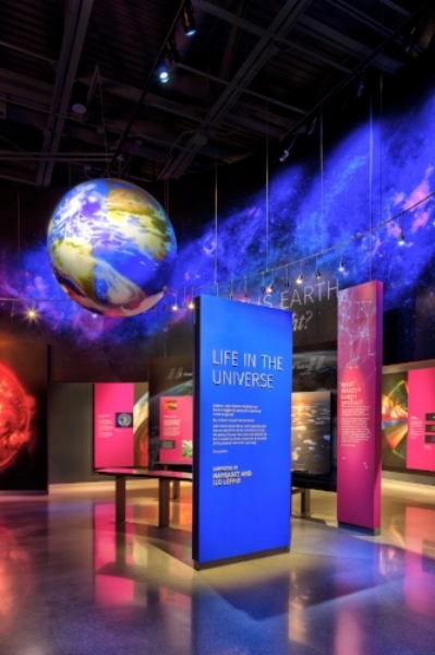 Bell-Museum_Life-in-the-Universe