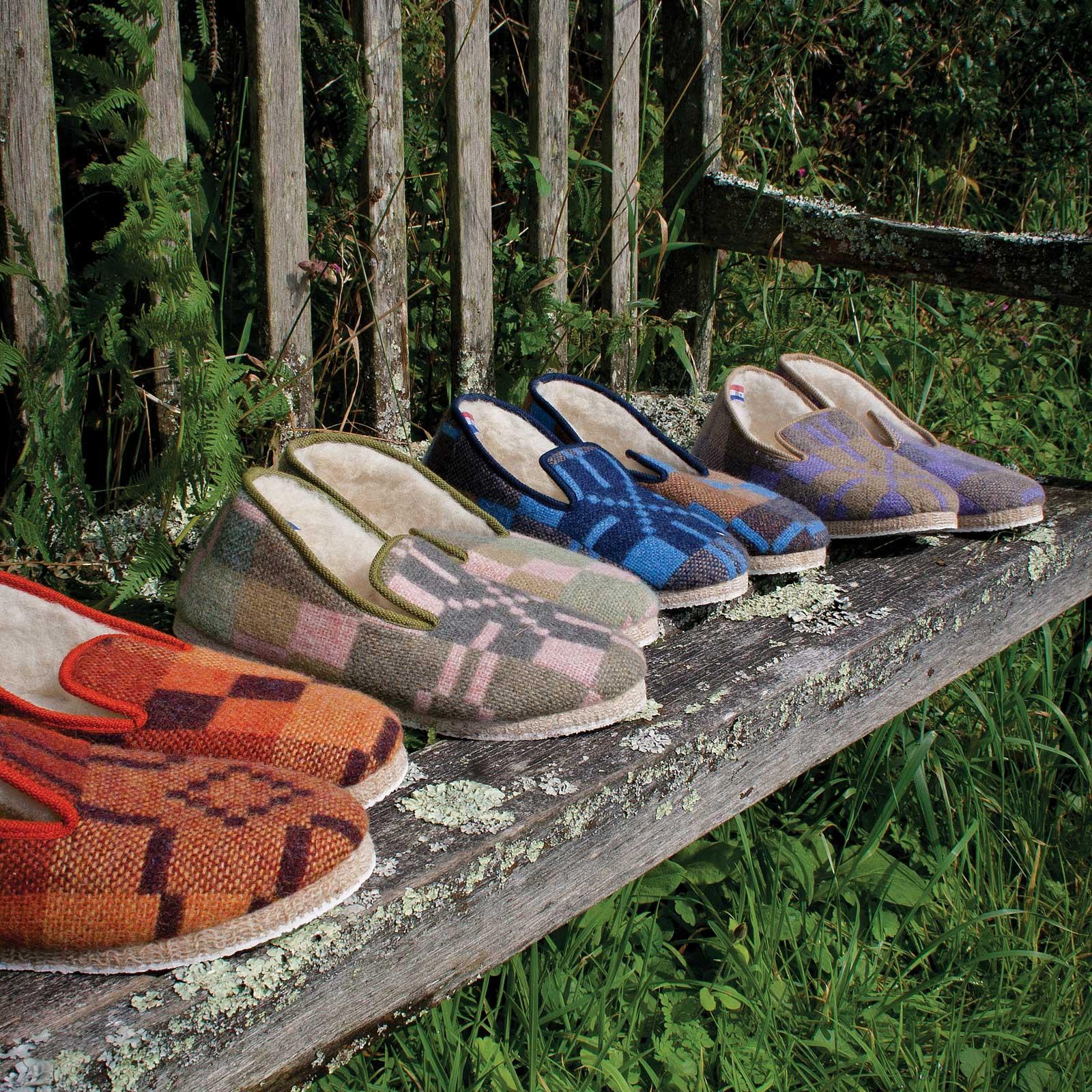 slippers_6843_1600.jpg