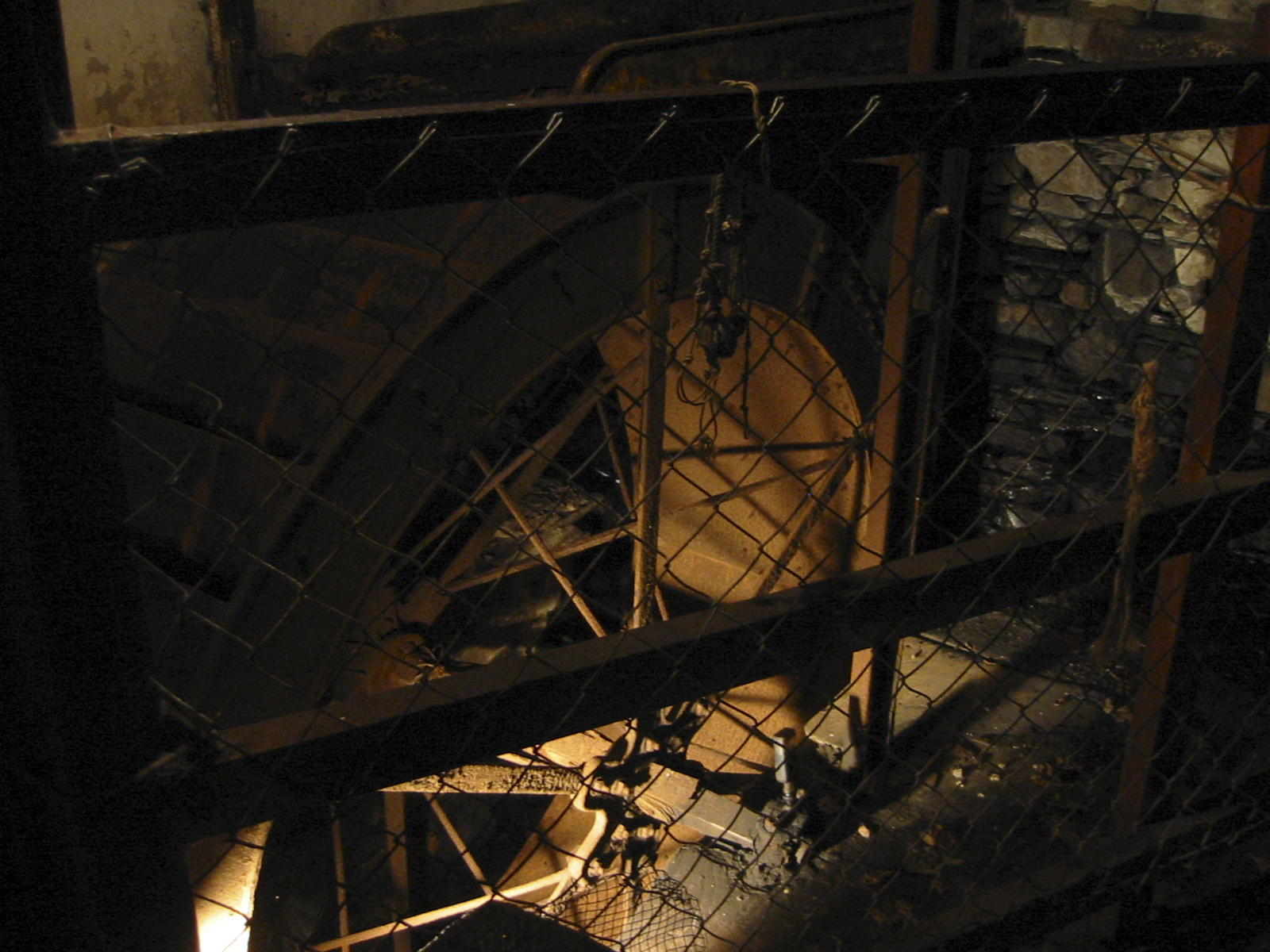04 Melin Tregwynt Waterwheel 2.JPG