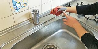 レンタル&クリーニング台所のシンクや蛇口、排水口掃除も格安なのに丁寧ピカピカに