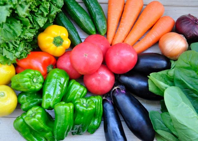 3.野菜の鮮度が長持ち! - 付着した農薬や汚れを除去することで、野菜の鮮度が長持ちします。小松菜やレタスなどの傷みやすい葉物野菜に効果的です。