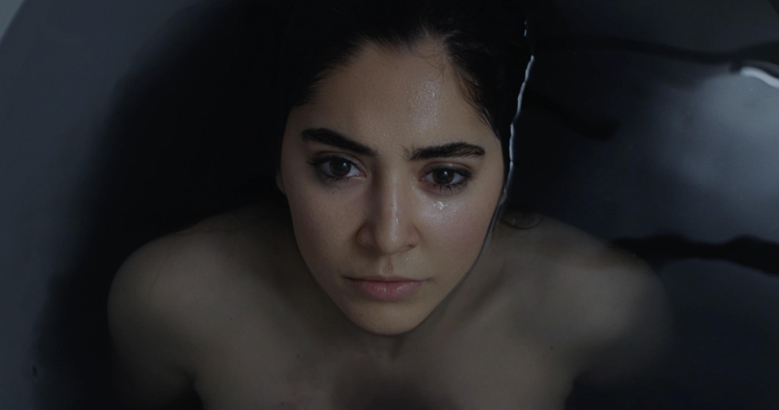 Giuliana Guarino as Ella