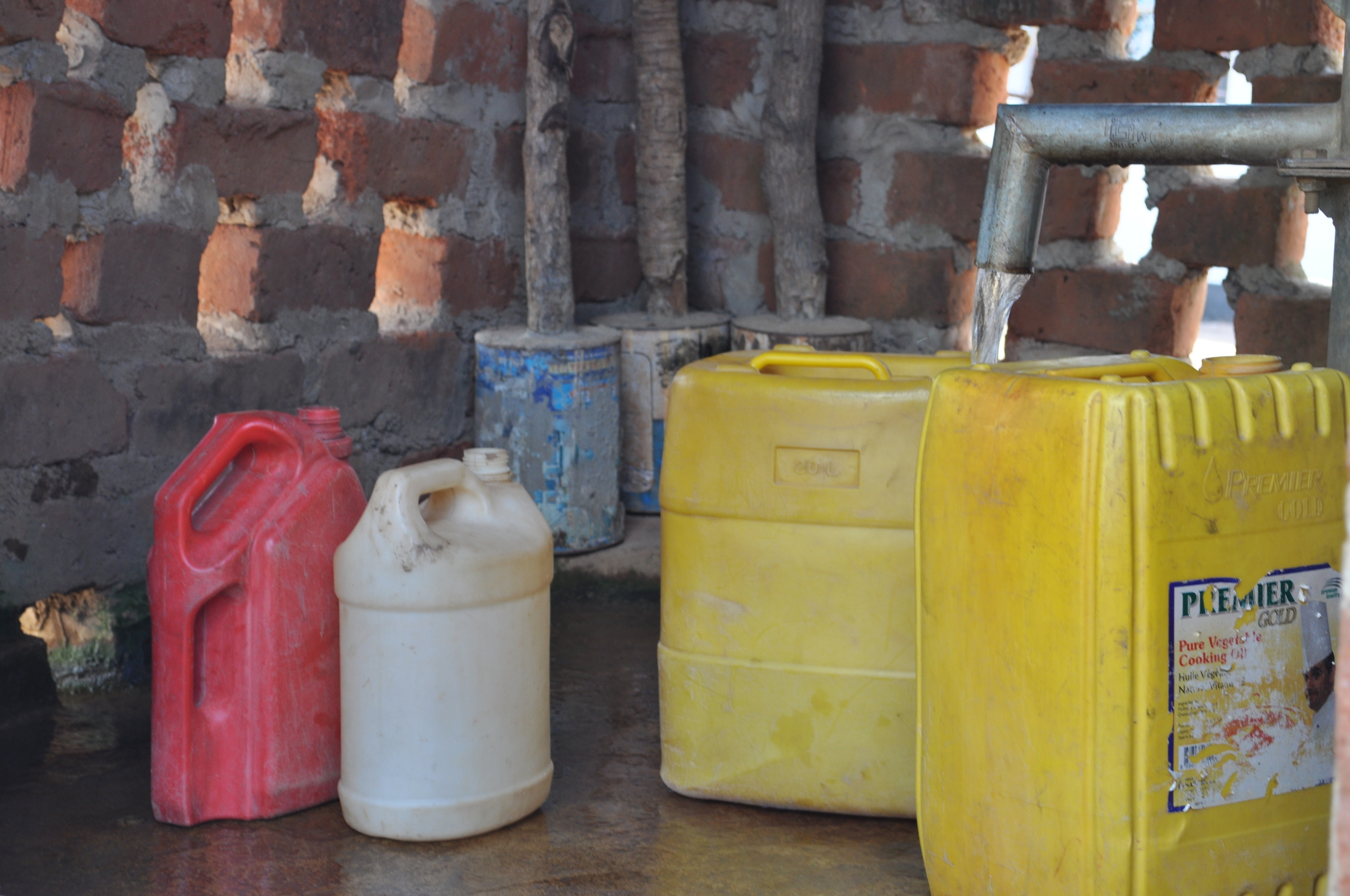 Jerry Cans in line at Cohombe Village Borehole