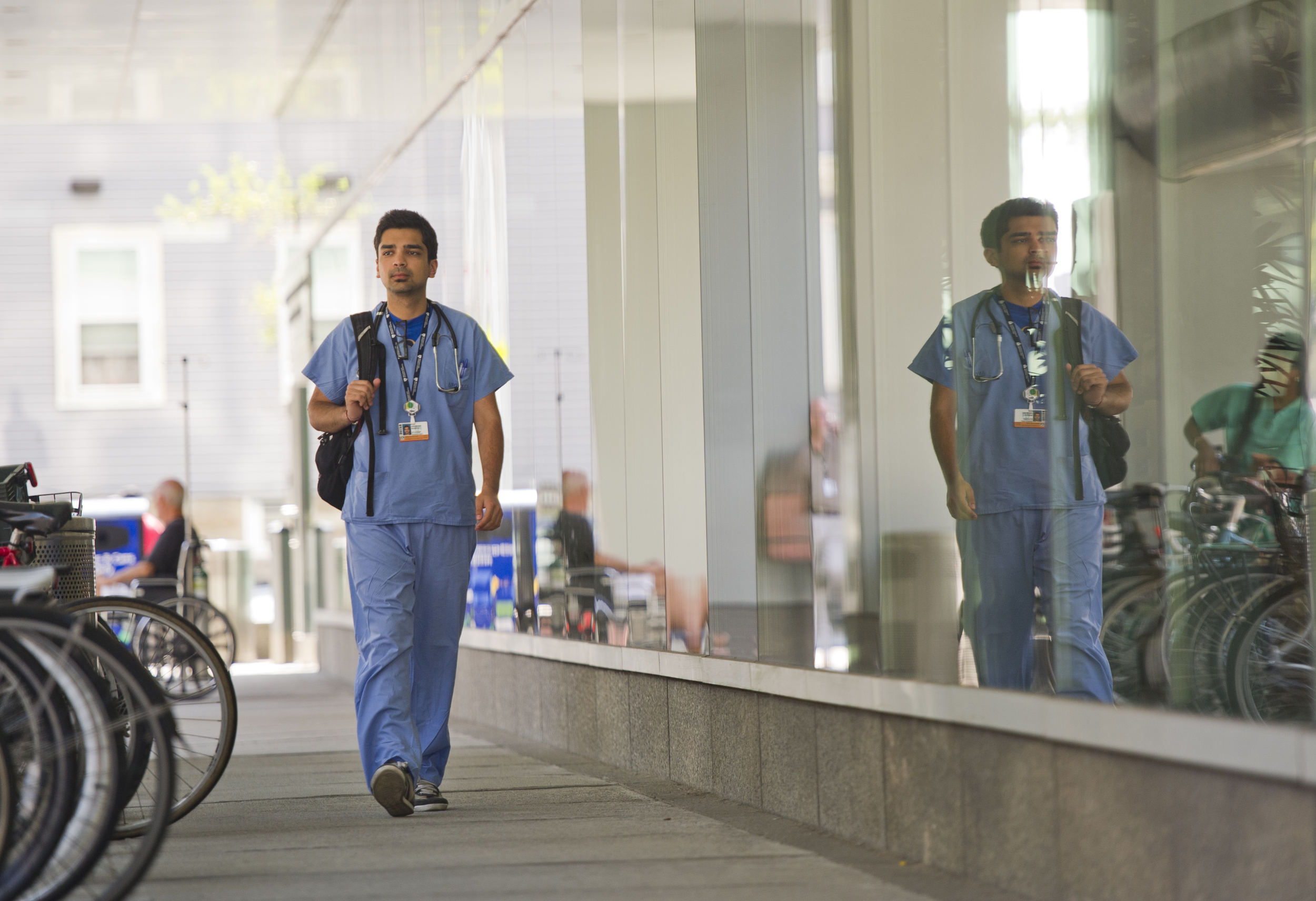 Anubhav Nangia (SAR,'15) spent his summer internship working at the Shapiro Cardiovascular Center at Brigham & Women's Hospital. Photo by Cydney Scott for Boston University Photograph