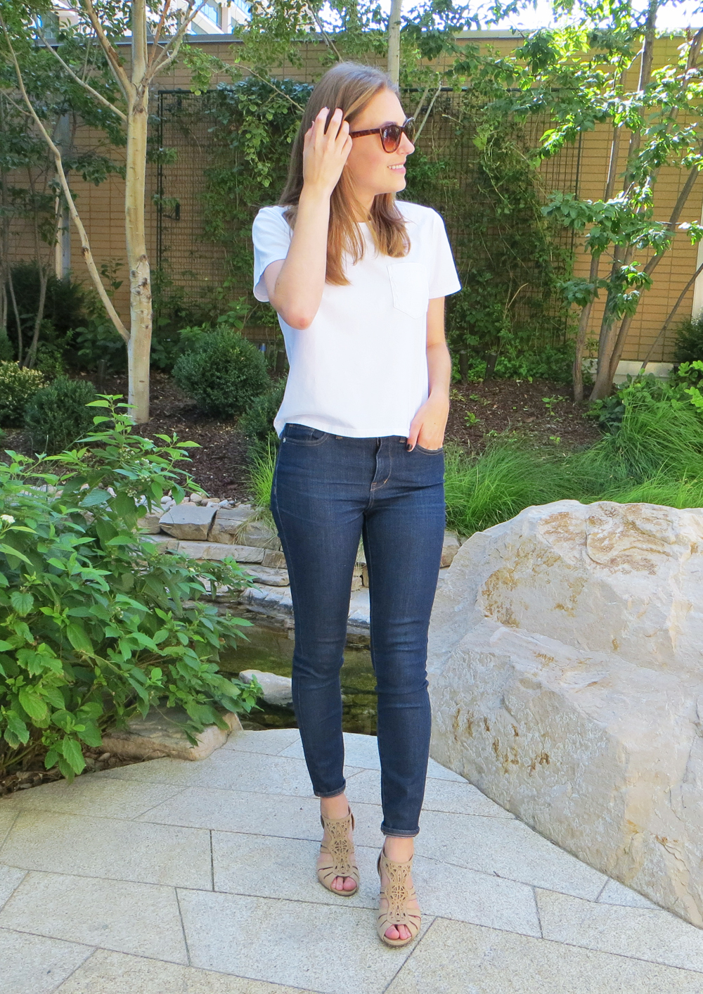 Everlane white tee, dark wash skinny jeans, beige sandals -- Cotton Cashmere Cat Hair
