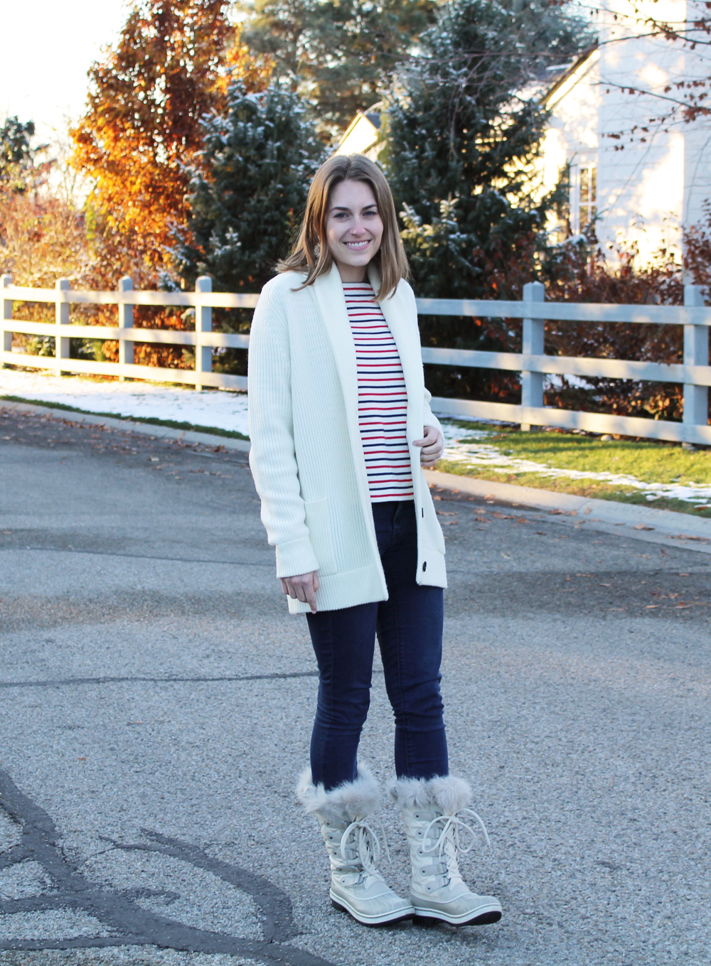 Chunky knit cardigan, striped tee, legging jeans, Sorel snow boots — Cotton Cashmere Cat Hair