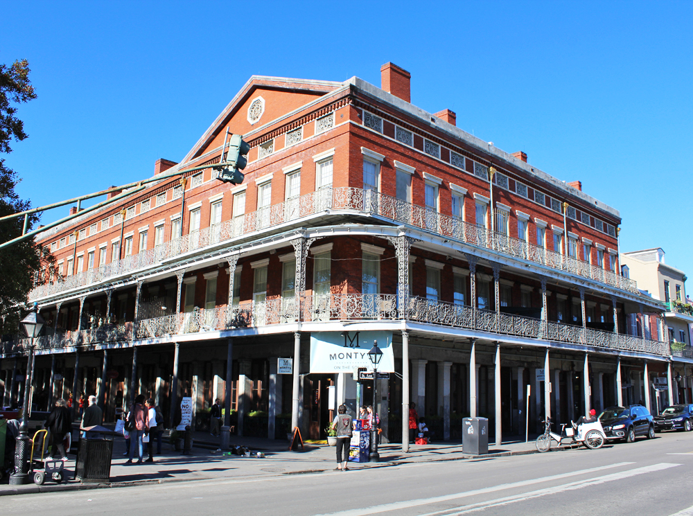 Traditional New Orleans architecture: galleries — Cotton Cashmere Cat Hair