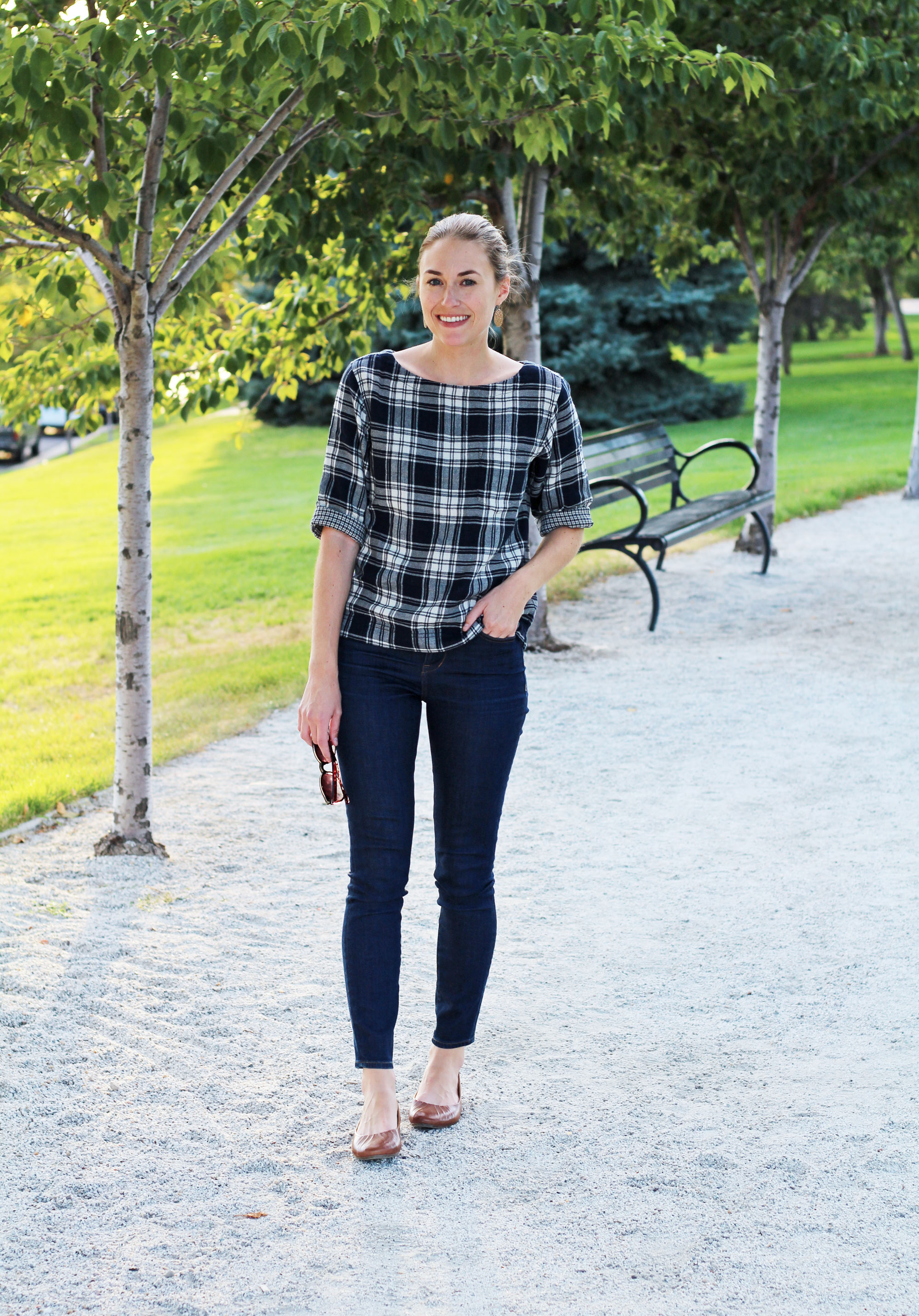 Madewell plaid top, Madewell high-rise skinny jeans, Earth 'Bellwether' flats — Cotton Cashmere Cat Hair