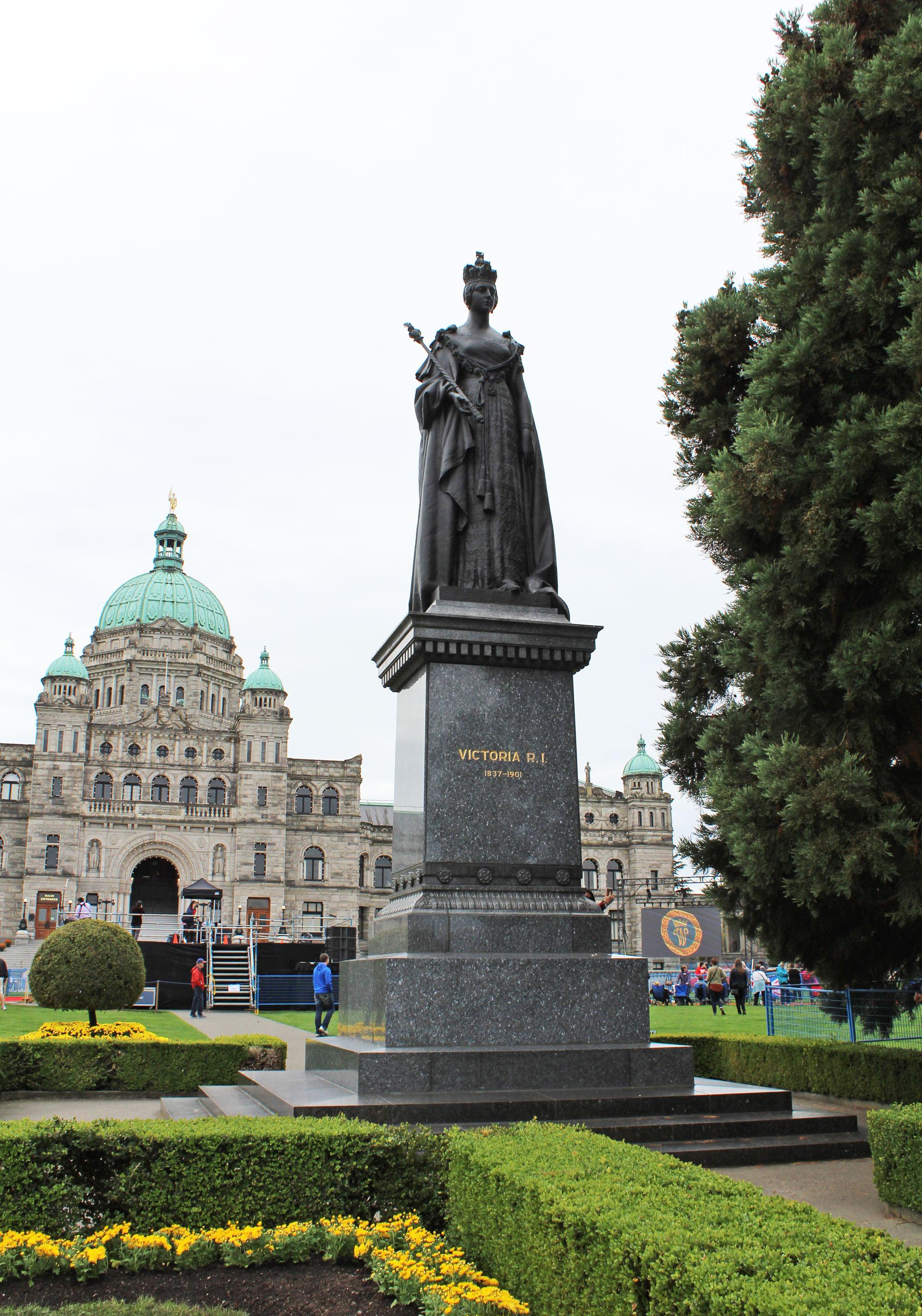 Legislative Building, Victoria, British Columbia — via Cotton Cashmere Cat Hair