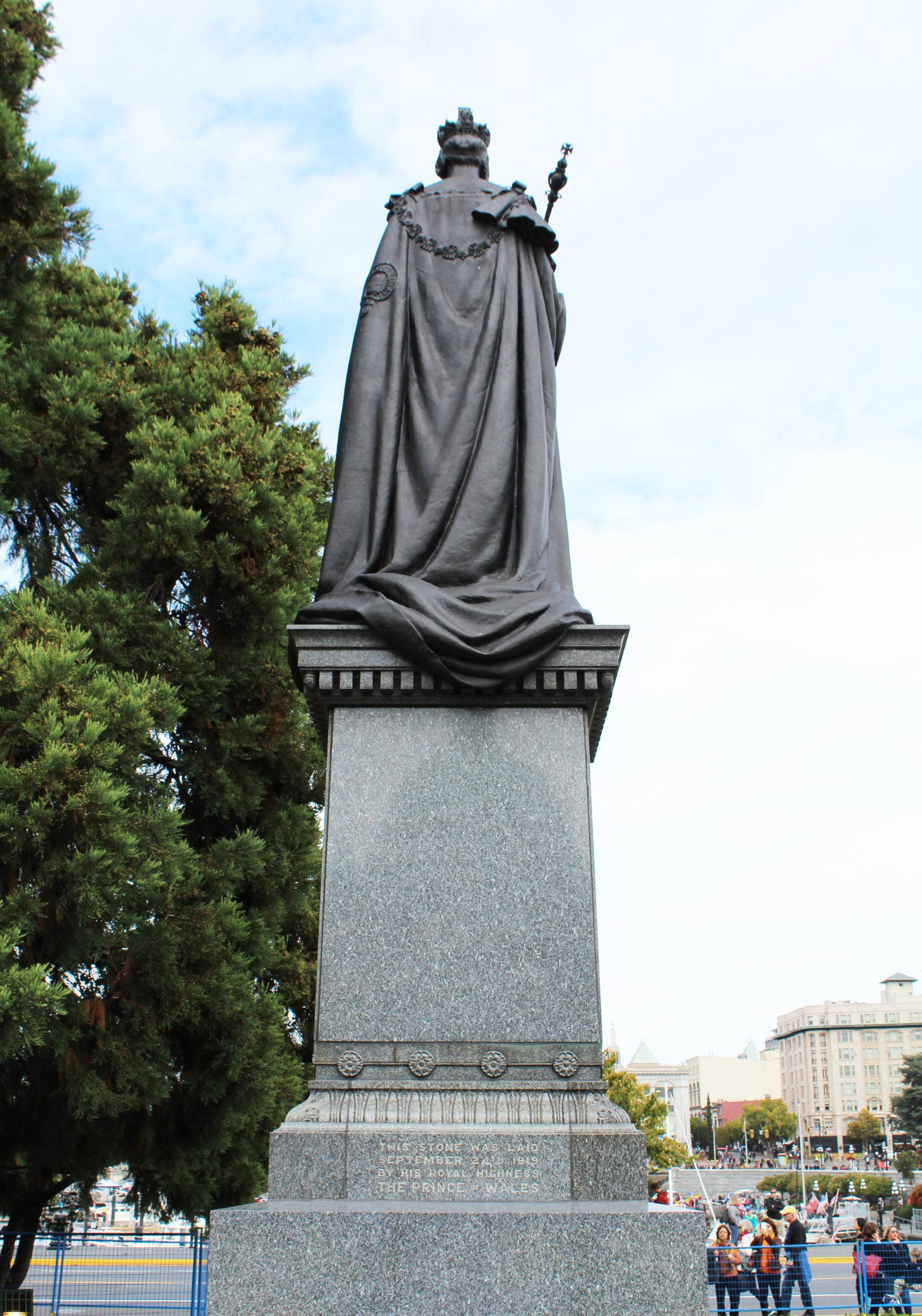 Statue at the Legislative Building, Victoria, British Columbia — via Cotton Cashmere Cat Hair