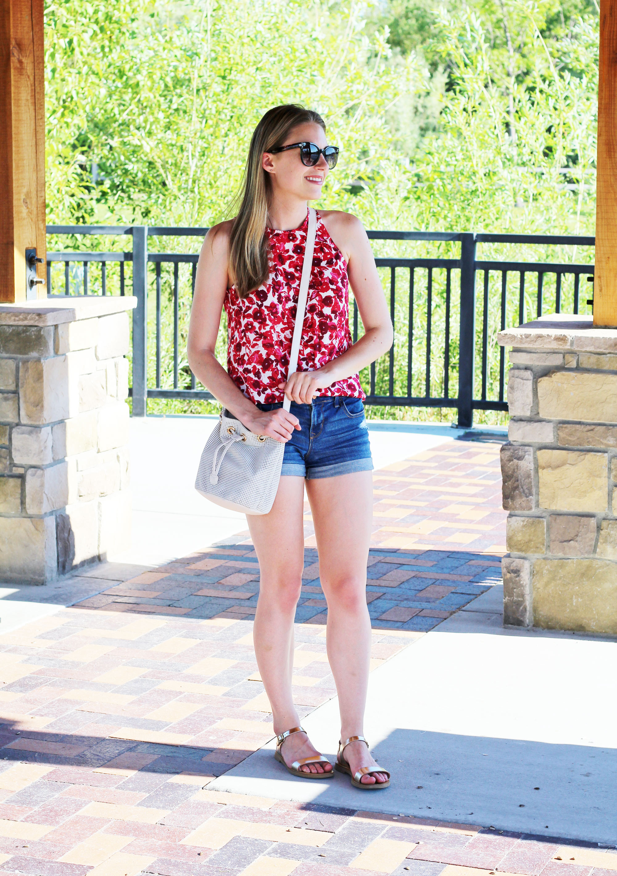 Summer outfit with metallic gold sandals — Cotton Cashmere Cat Hair