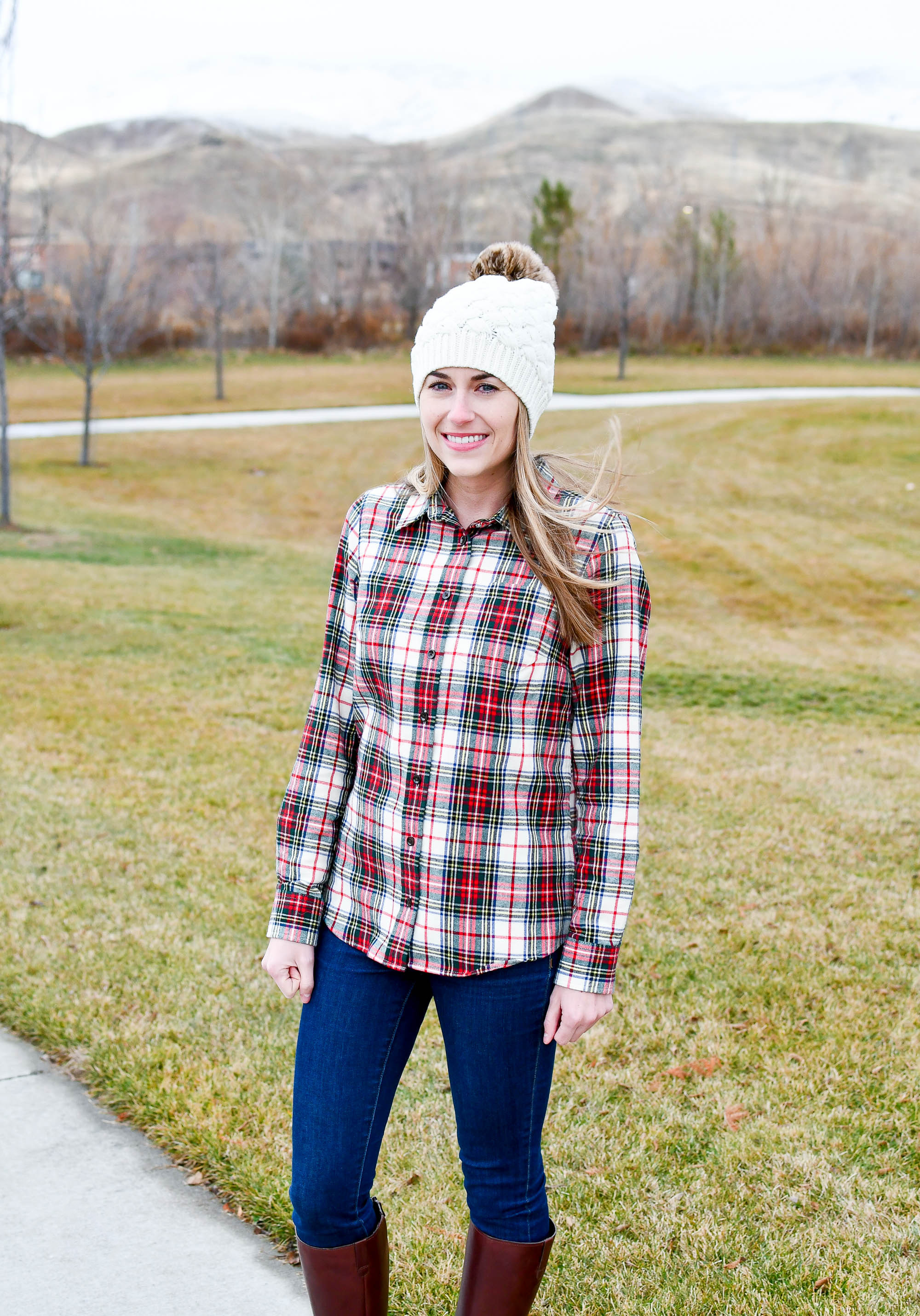 Holiday outfit with plaid flannel shirt and beanie — Cotton Cashmere Cat Hair