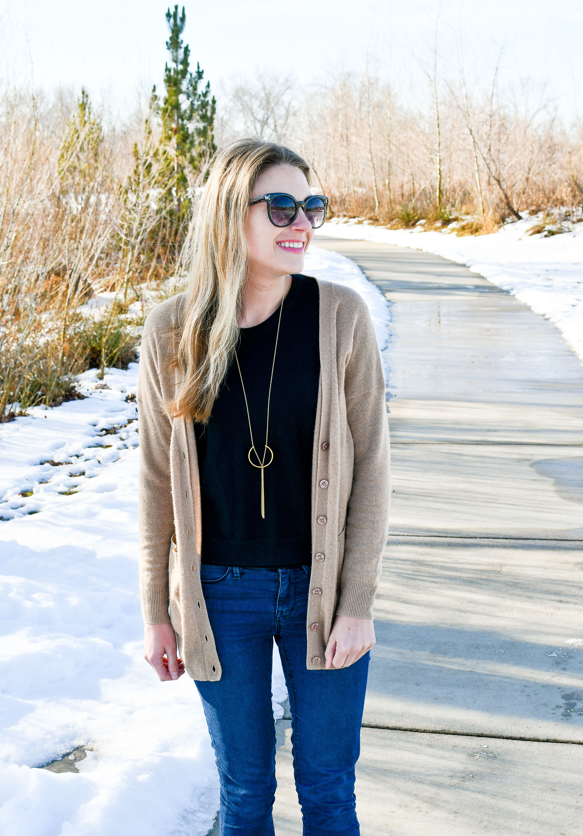 Winter outfit with camel cardigan and black sweater — Cotton Cashmere Cat Hair