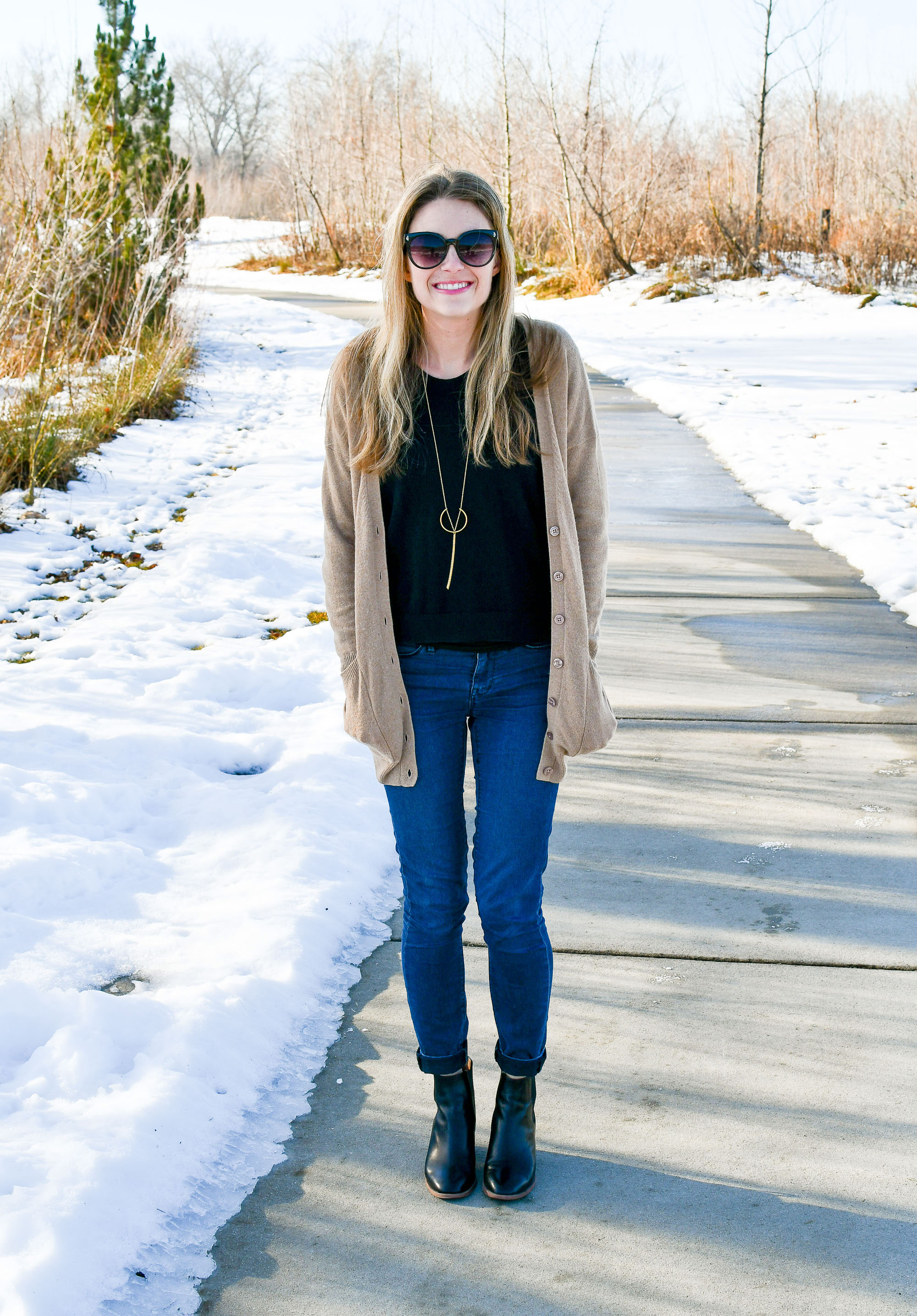 Winter outfit with camel cardigan and black ankle boots — Cotton Cashmere Cat Hair