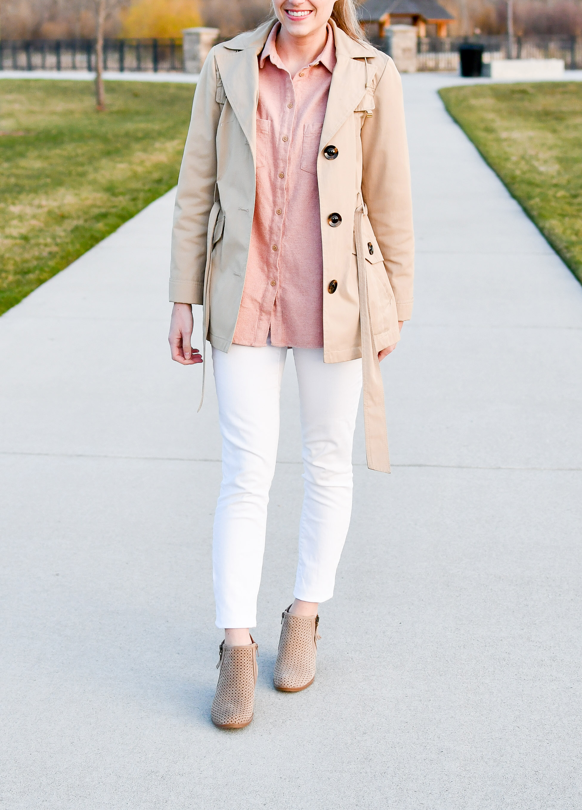 White skinny jeans with short trench coat — Cotton Cashmere Cat Hair