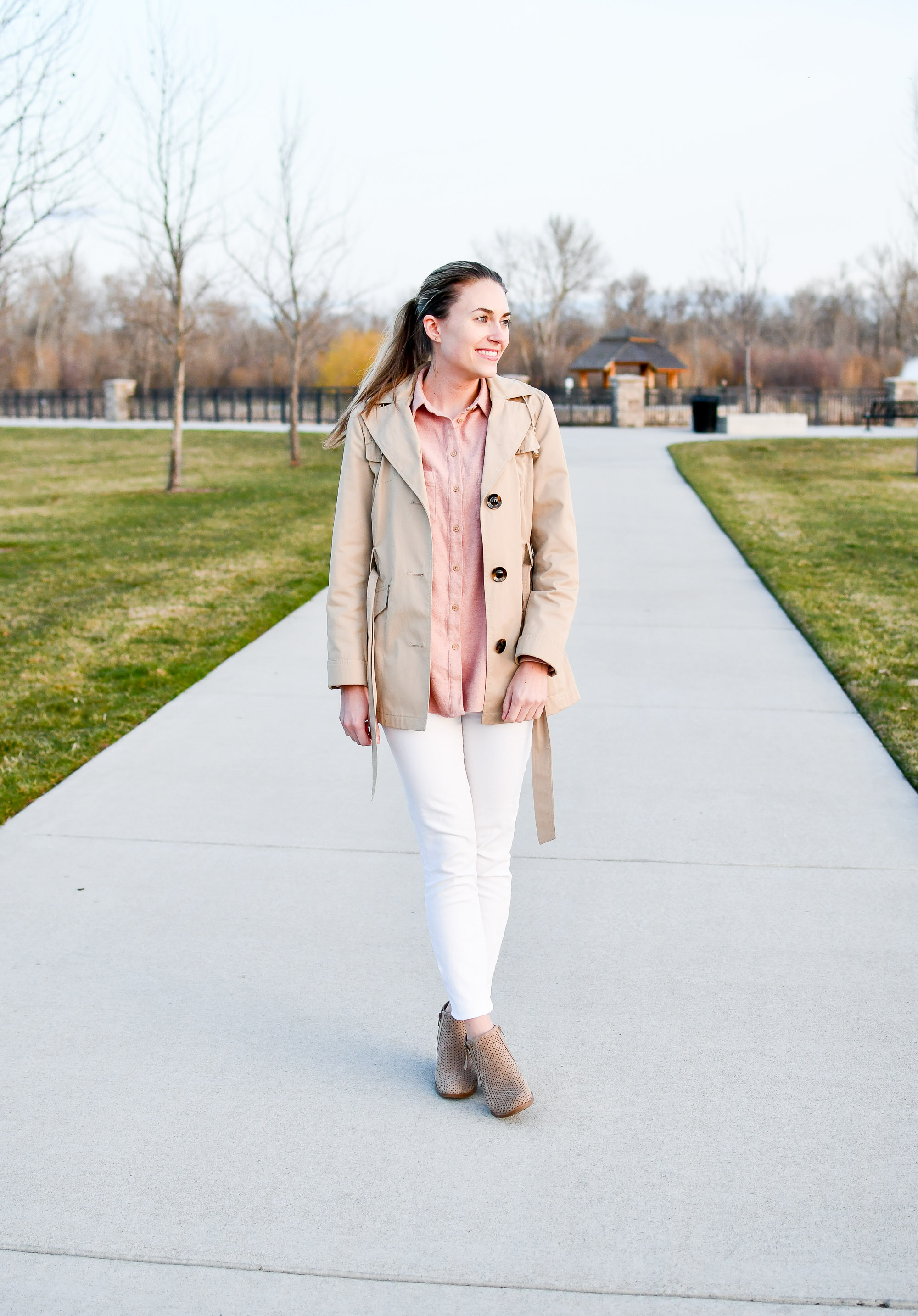 Spring outfit with short trench coat — Cotton Cashmere Cat Hair