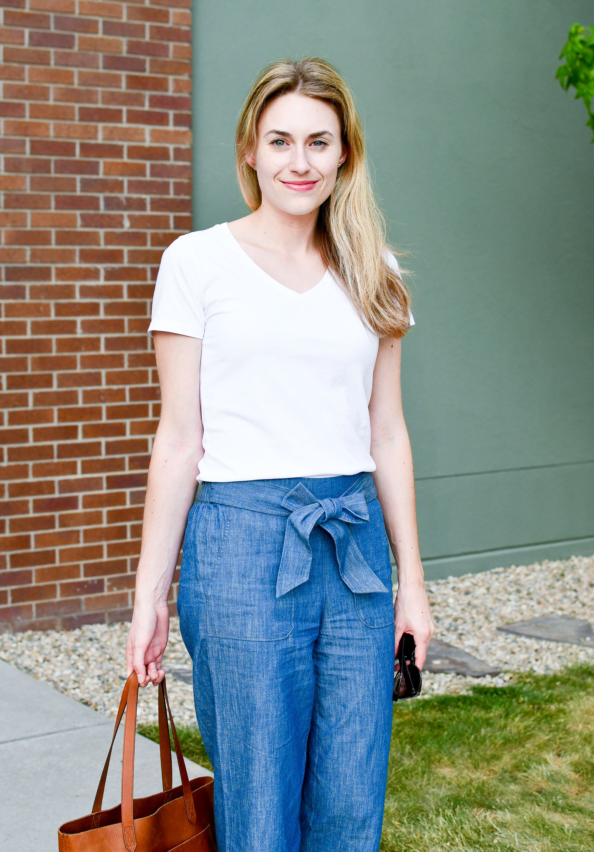 Grana white v-neck tee spring outfit — Cotton Cashmere Cat Hair