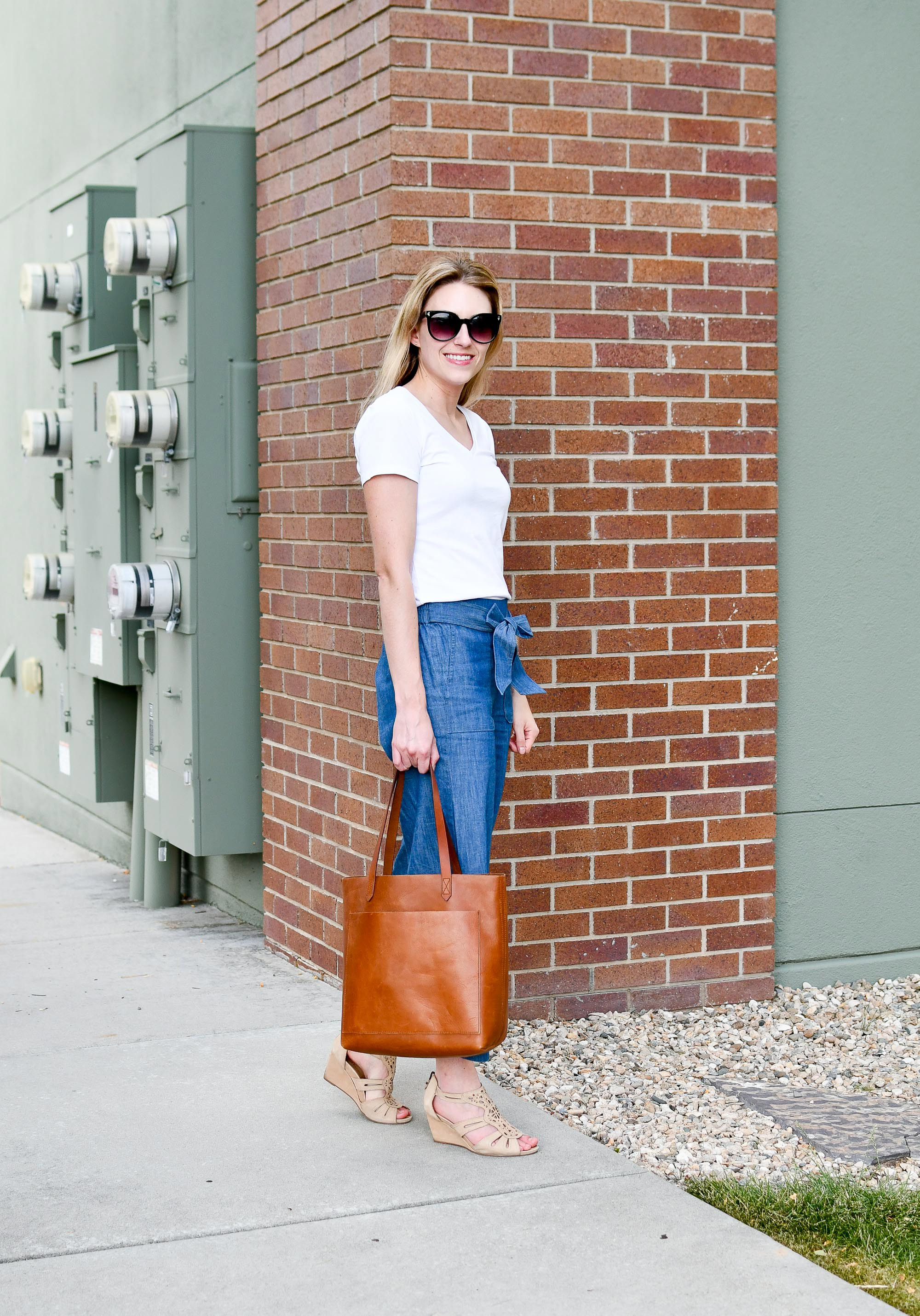 Spring outfit with Transport tote, white tee, chambray pants — Cotton Cashmere Cat Hair