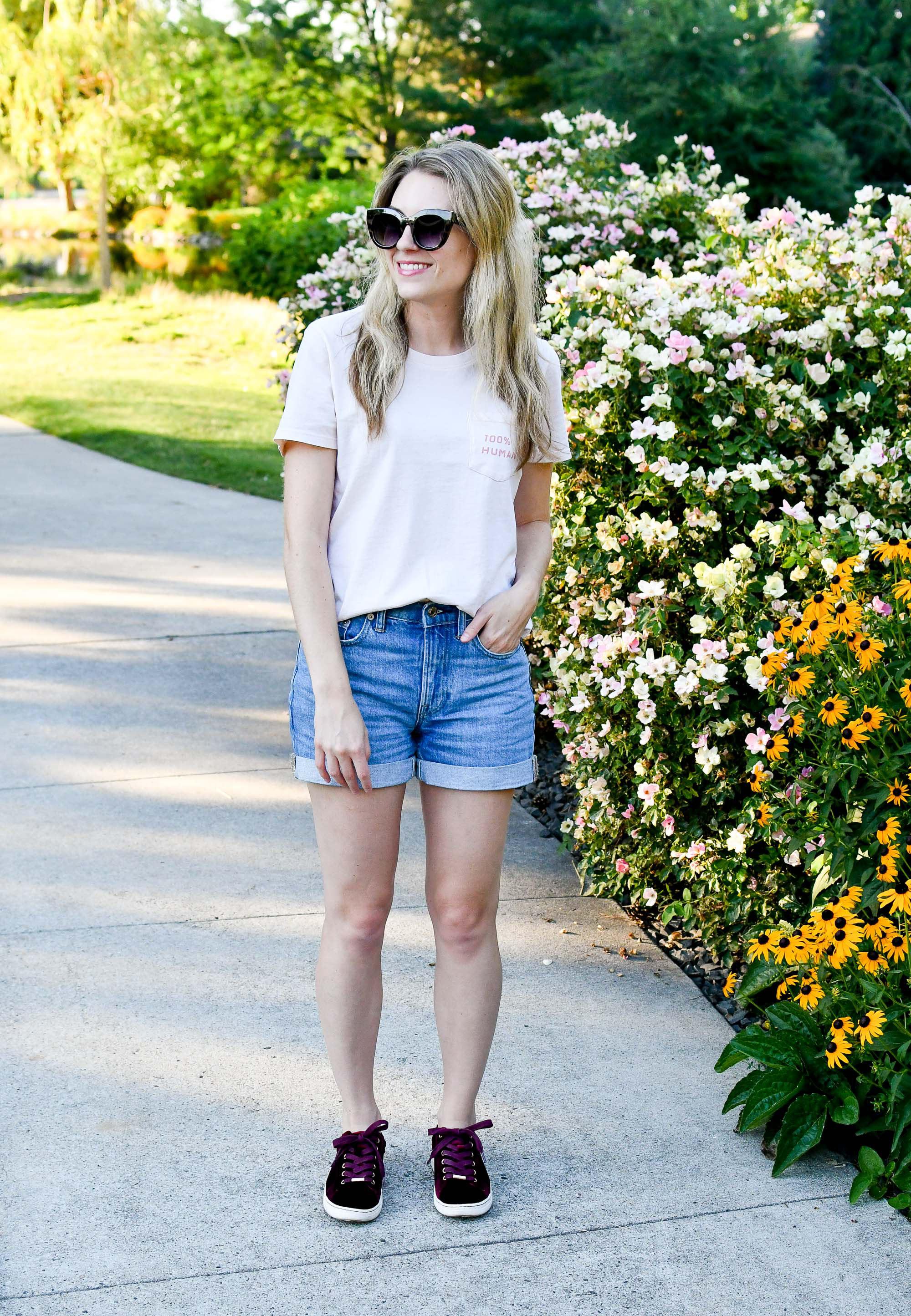 Everlane denim shorts summer outfit — Cotton Cashmere Cat Hair