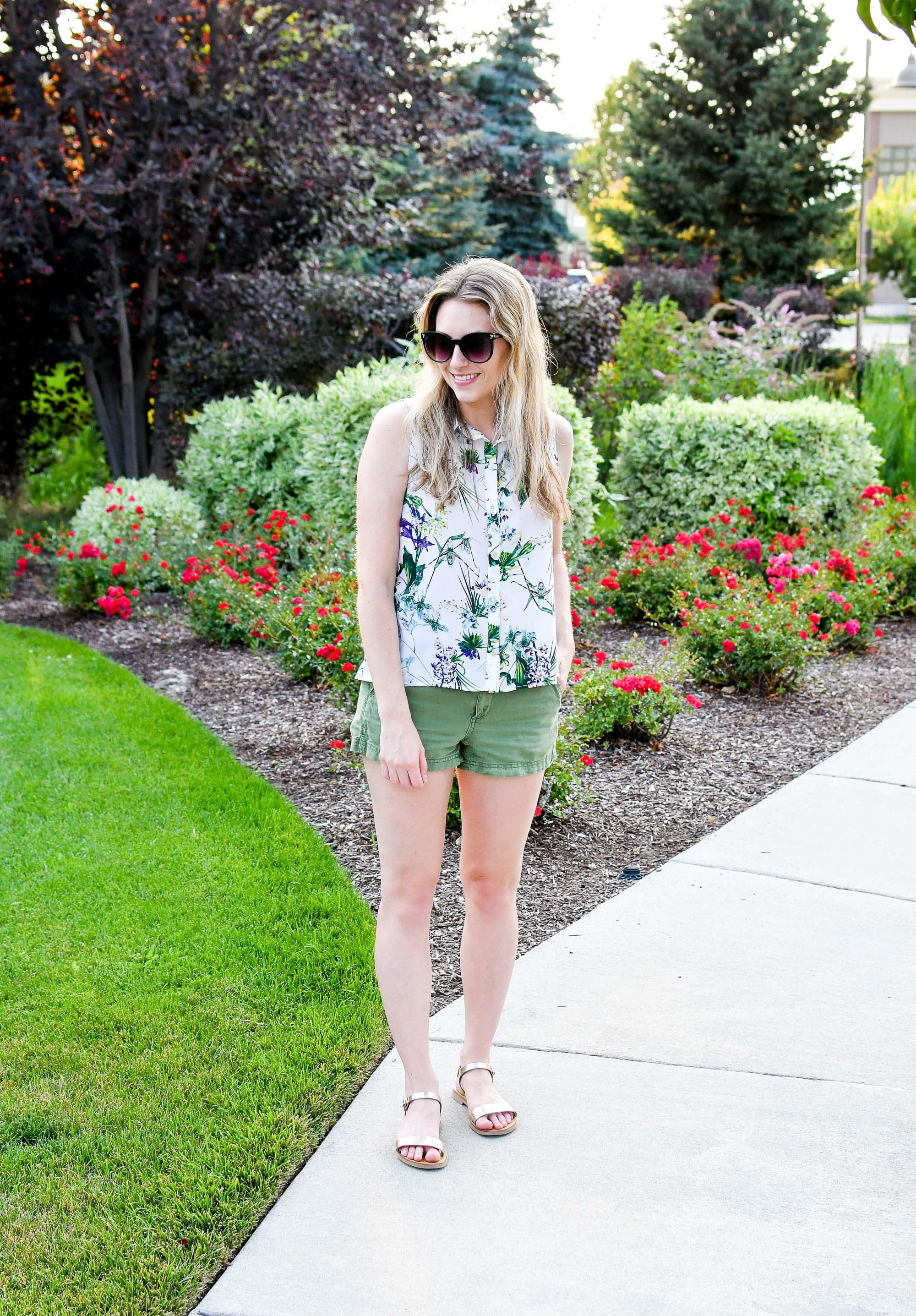 Gold sandals summer outfit — Cotton Cashmere Cat Hair