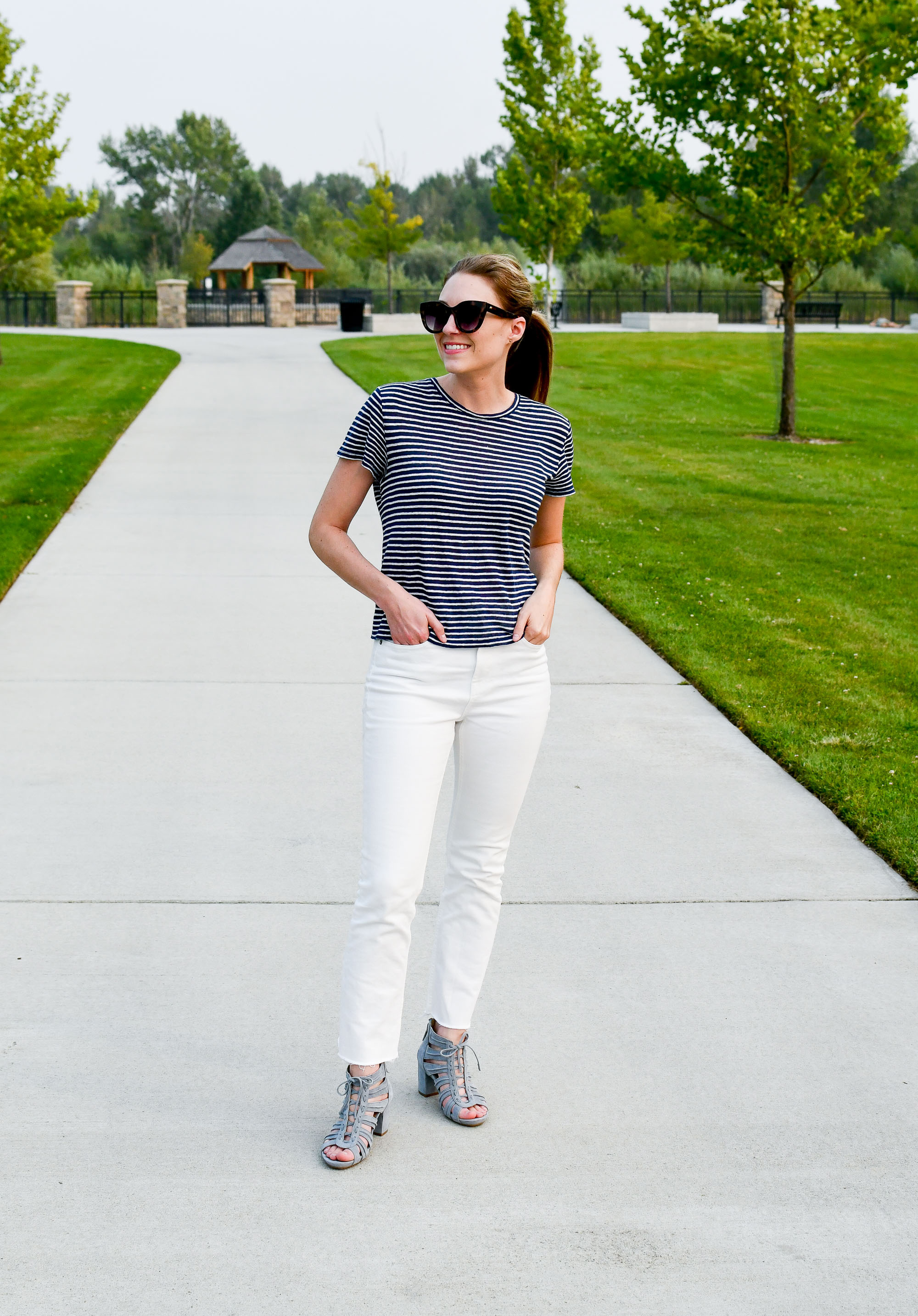 Blue and white summer outfit — Cotton Cashmere Cat Hair