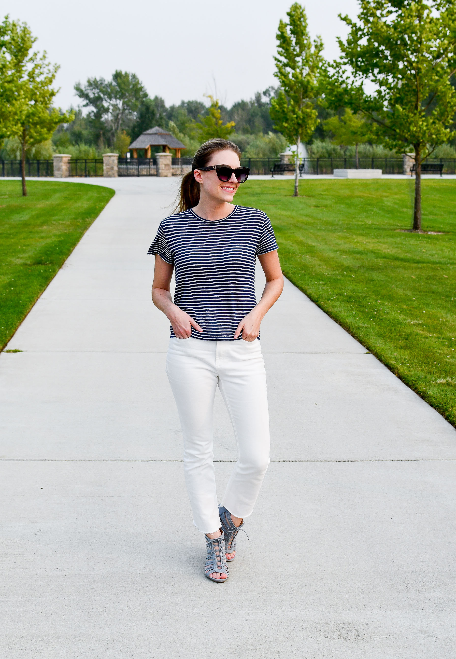 Summer outfit with striped linen tee and blue sandals — Cotton Cashmere Cat Hair
