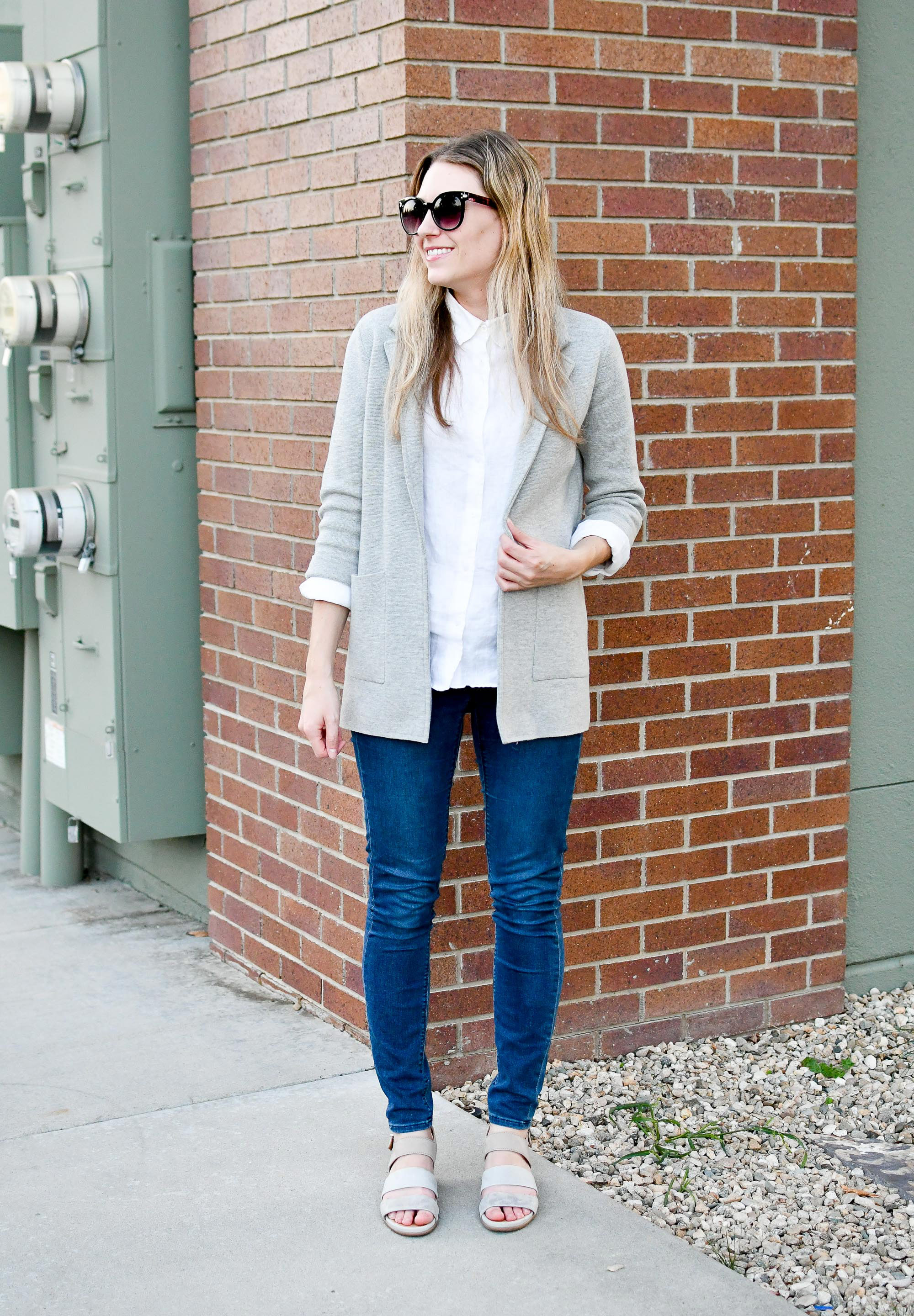 Late summer work outfit with linen shirt and sweater blazer — Cotton Cashmere Cat Hair
