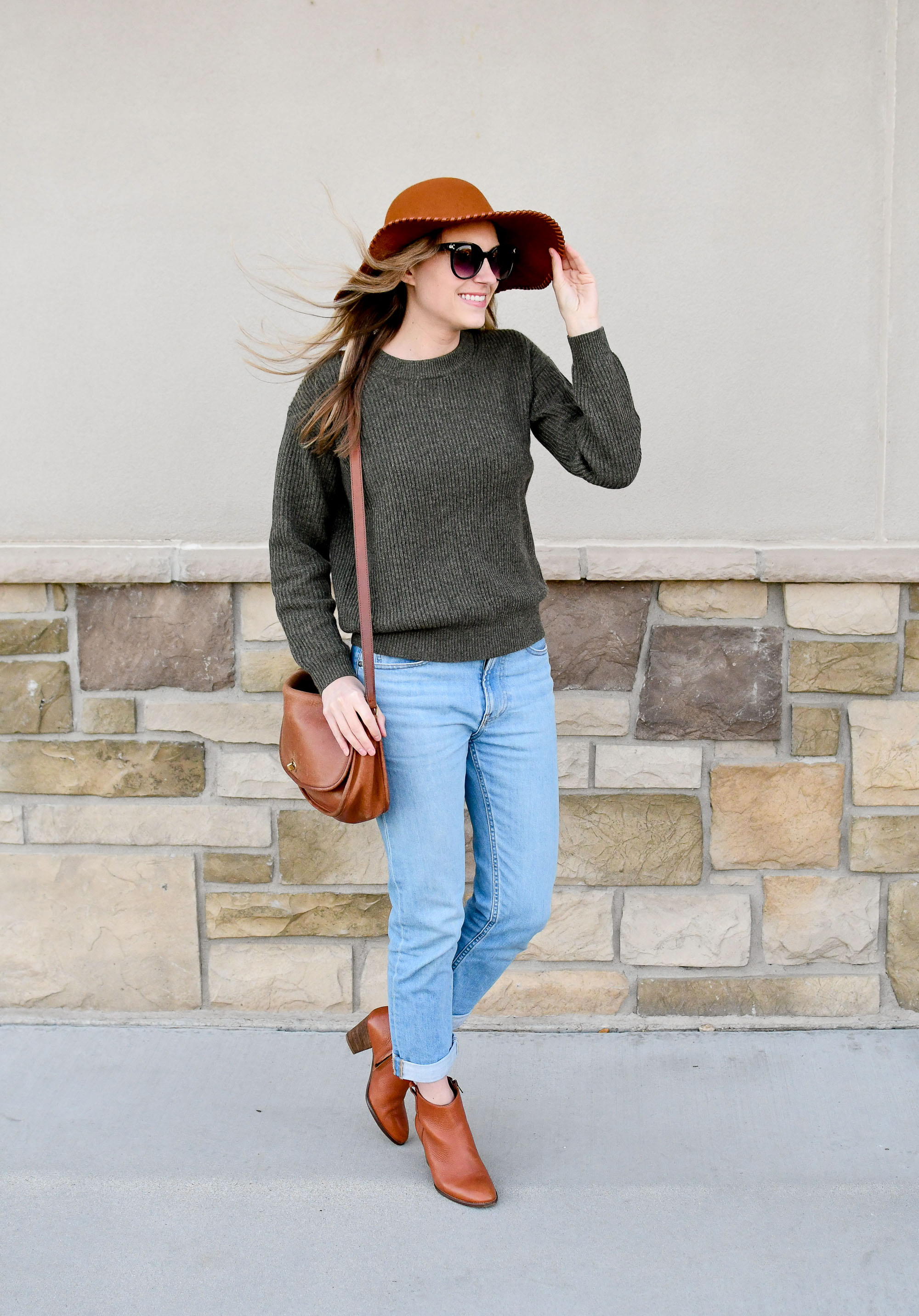 Everlane ribbed cashmere sweater fall outfit — Cotton Cashmere Cat Hair