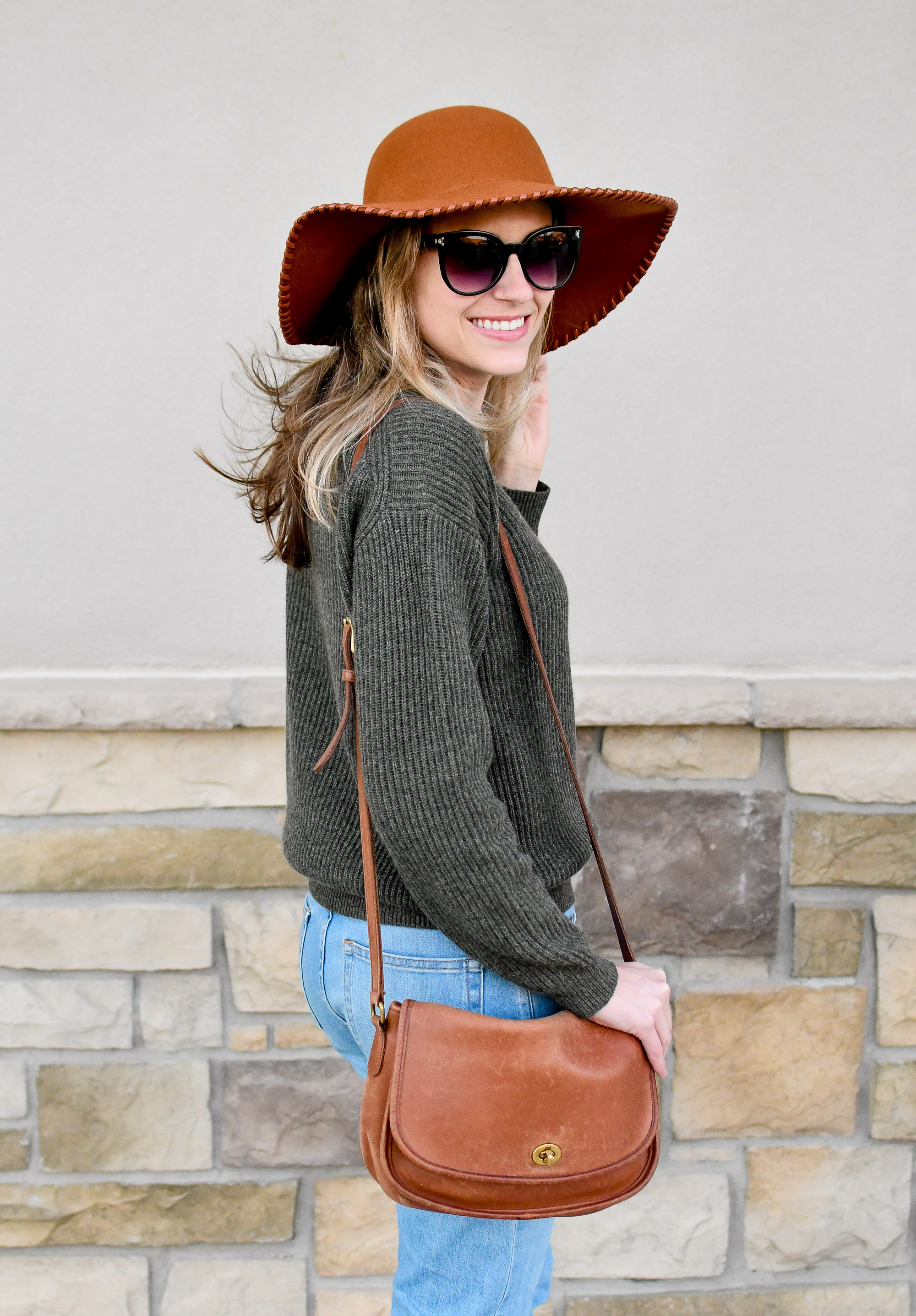 Vintage Coach 'City' crossbody bag fall outfit — Cotton Cashmere Cat Hair