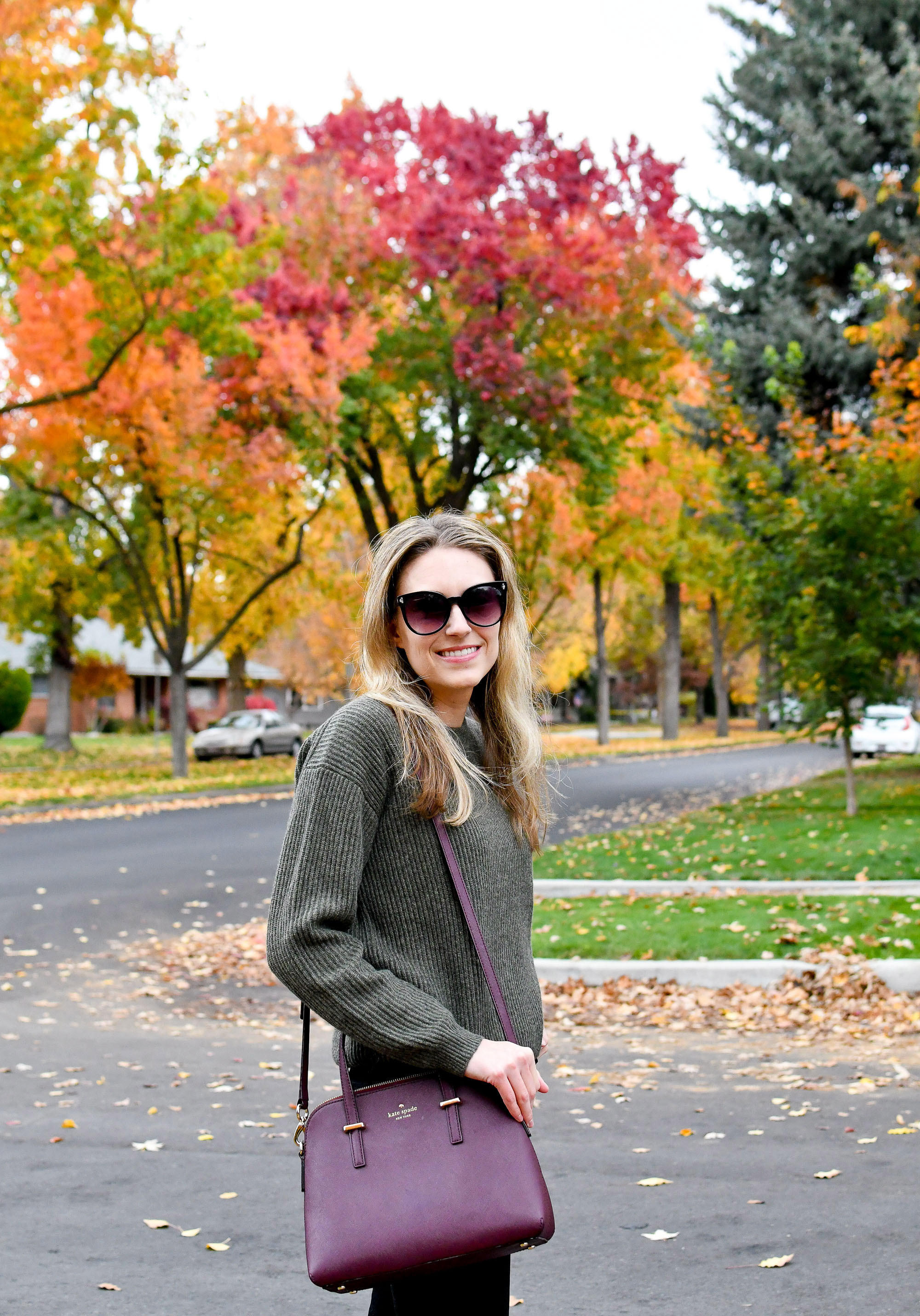 Fall outfit with olive cashmere sweater and burgundy bag — Cotton Cashmere Cat Hair