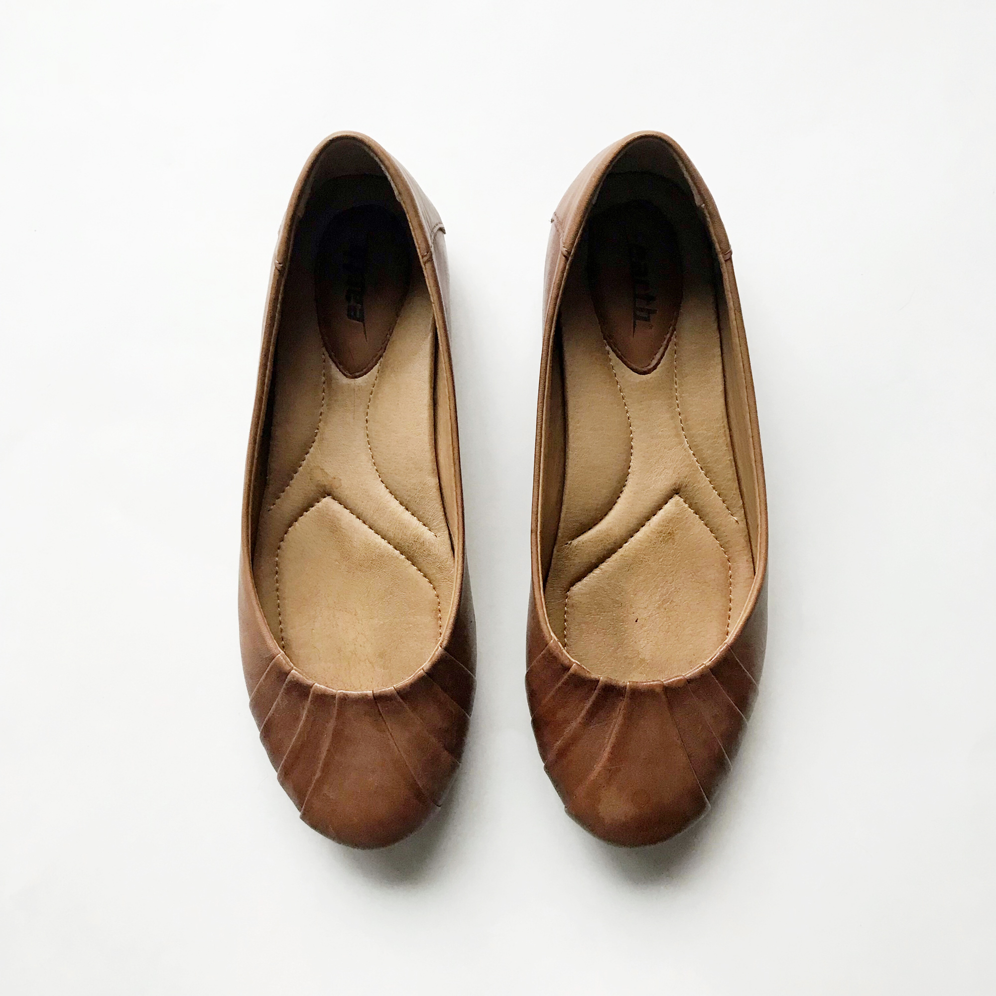 Earth Bellwether flats in brown — Cotton Cashmere Cat Hair