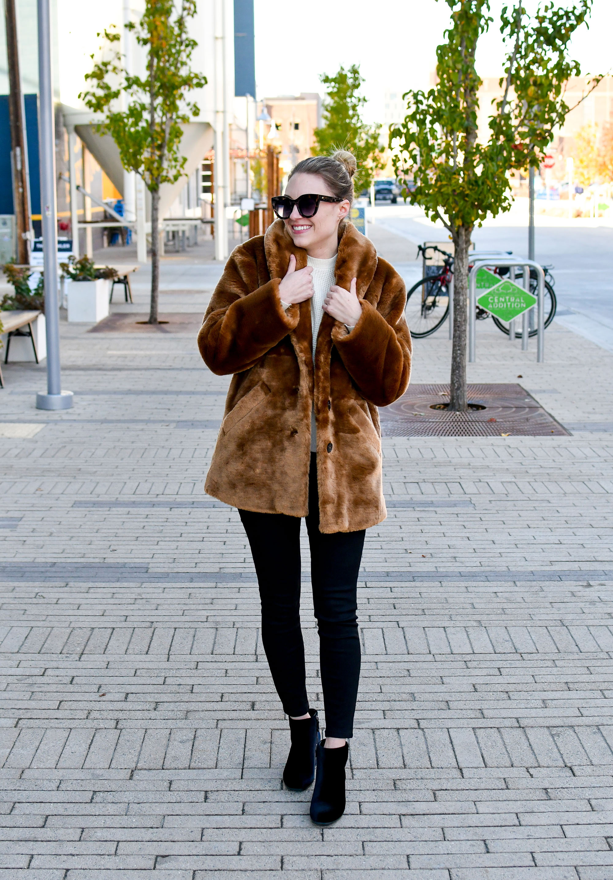 Fall outfit with brown faux fur coat — Cotton Cashmere Cat Hair