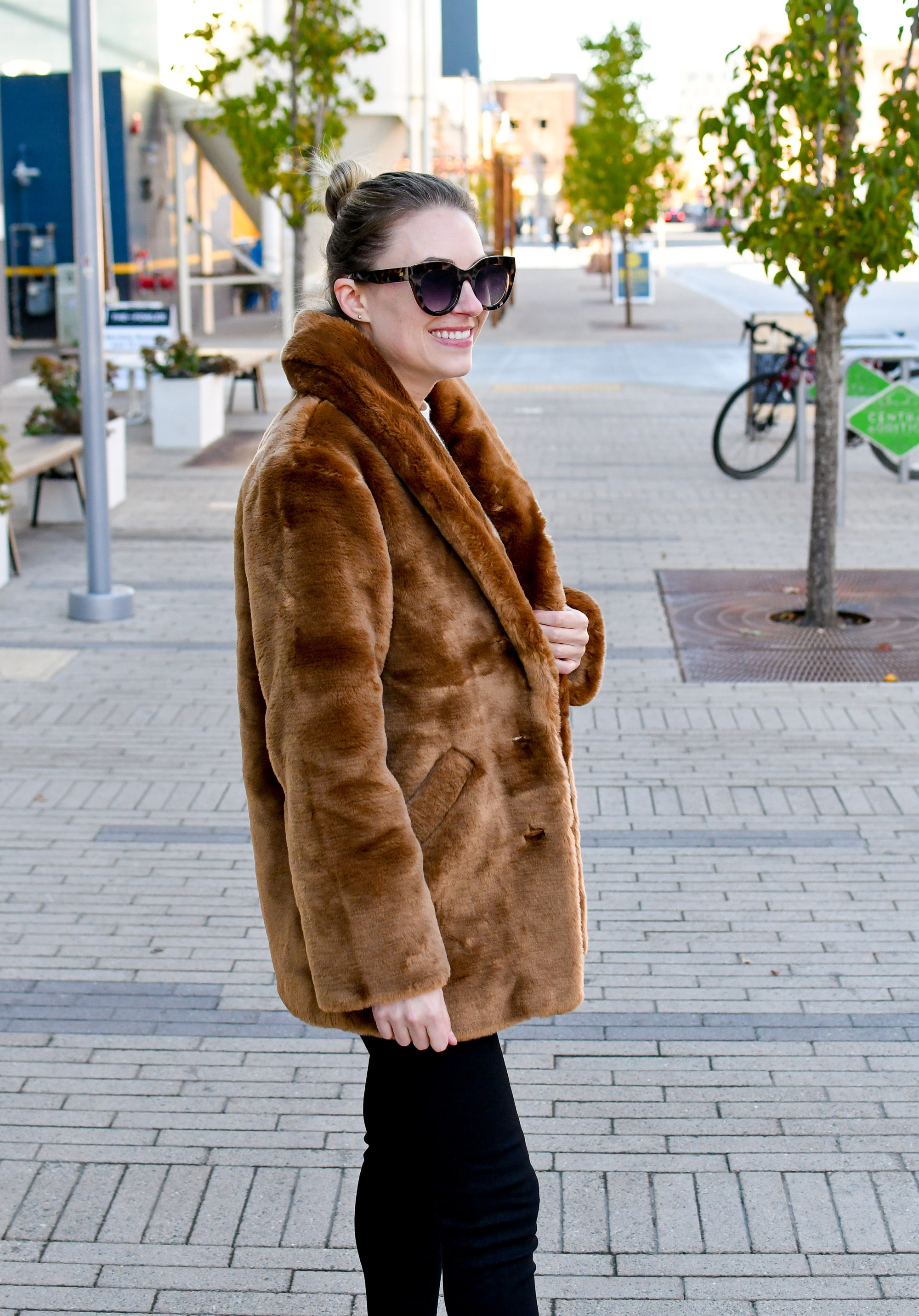 & Other Stories brown faux fur coat fall outfit — Cotton Cashmere Cat Hair