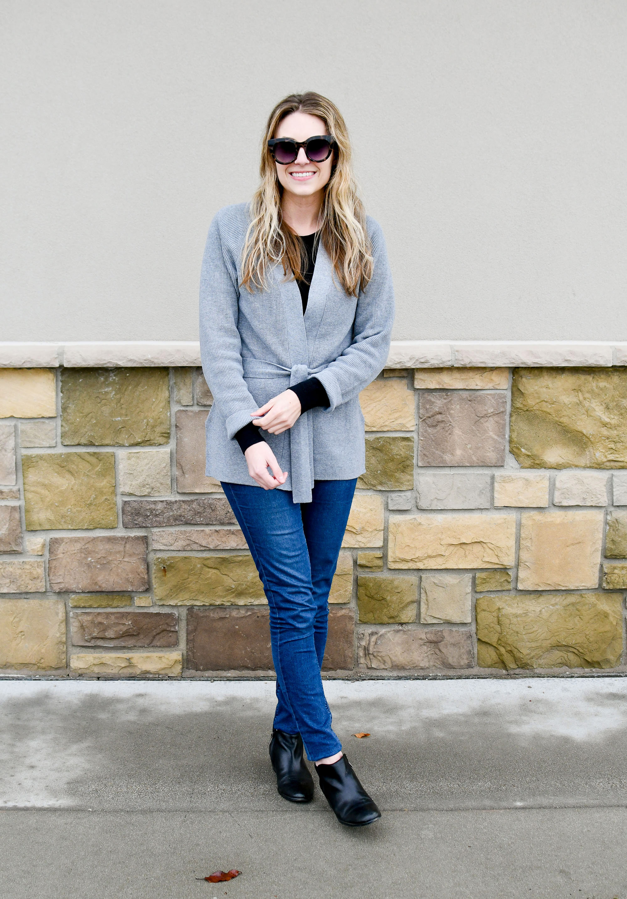 Fall outfit with layered sweaters, skinny jeans, ankle boots — Cotton Cashmere Cat Hair