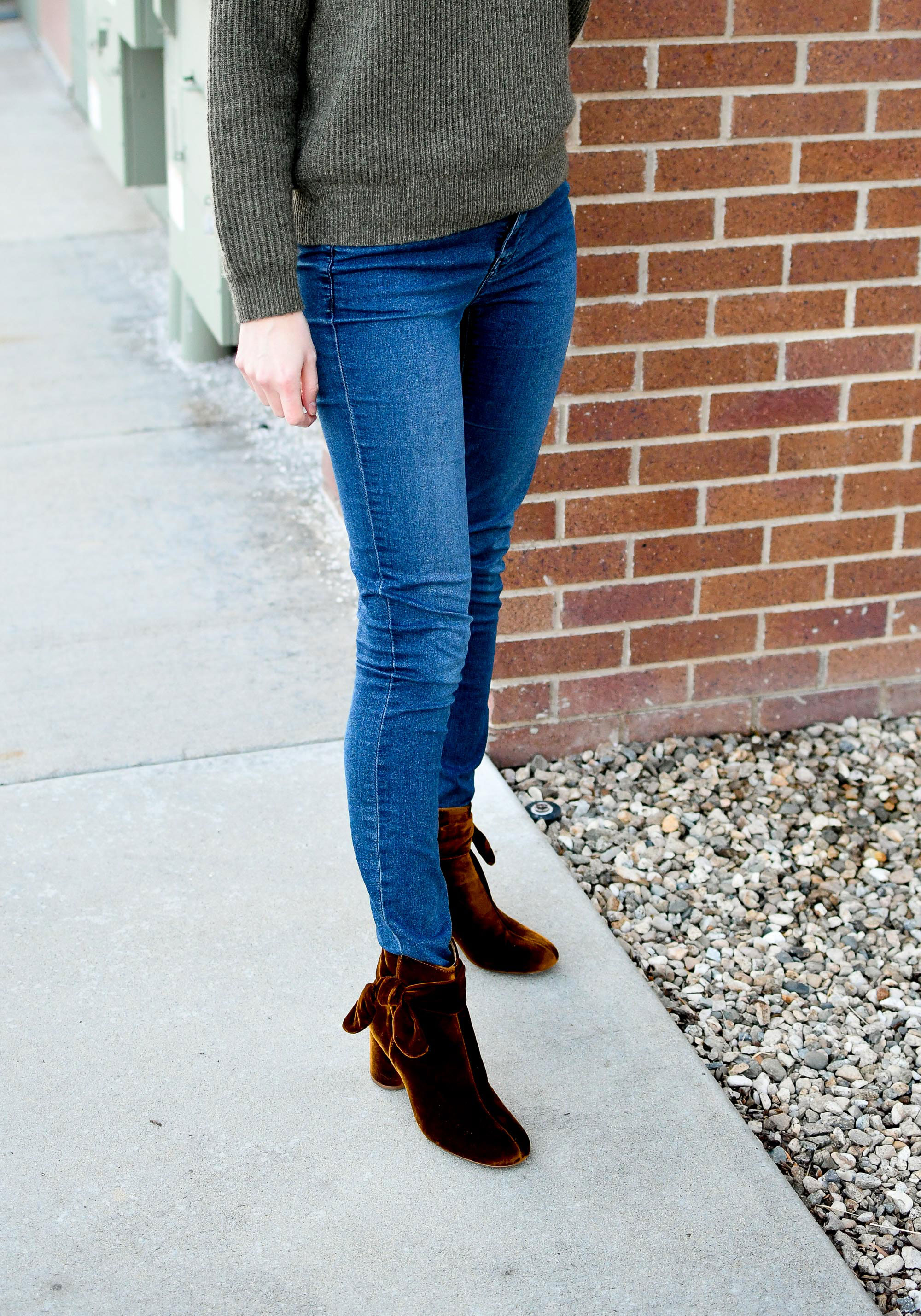 Winter outfit with Madewell Esme bow ankle boots in velvet — Cotton Cashmere Cat Hair