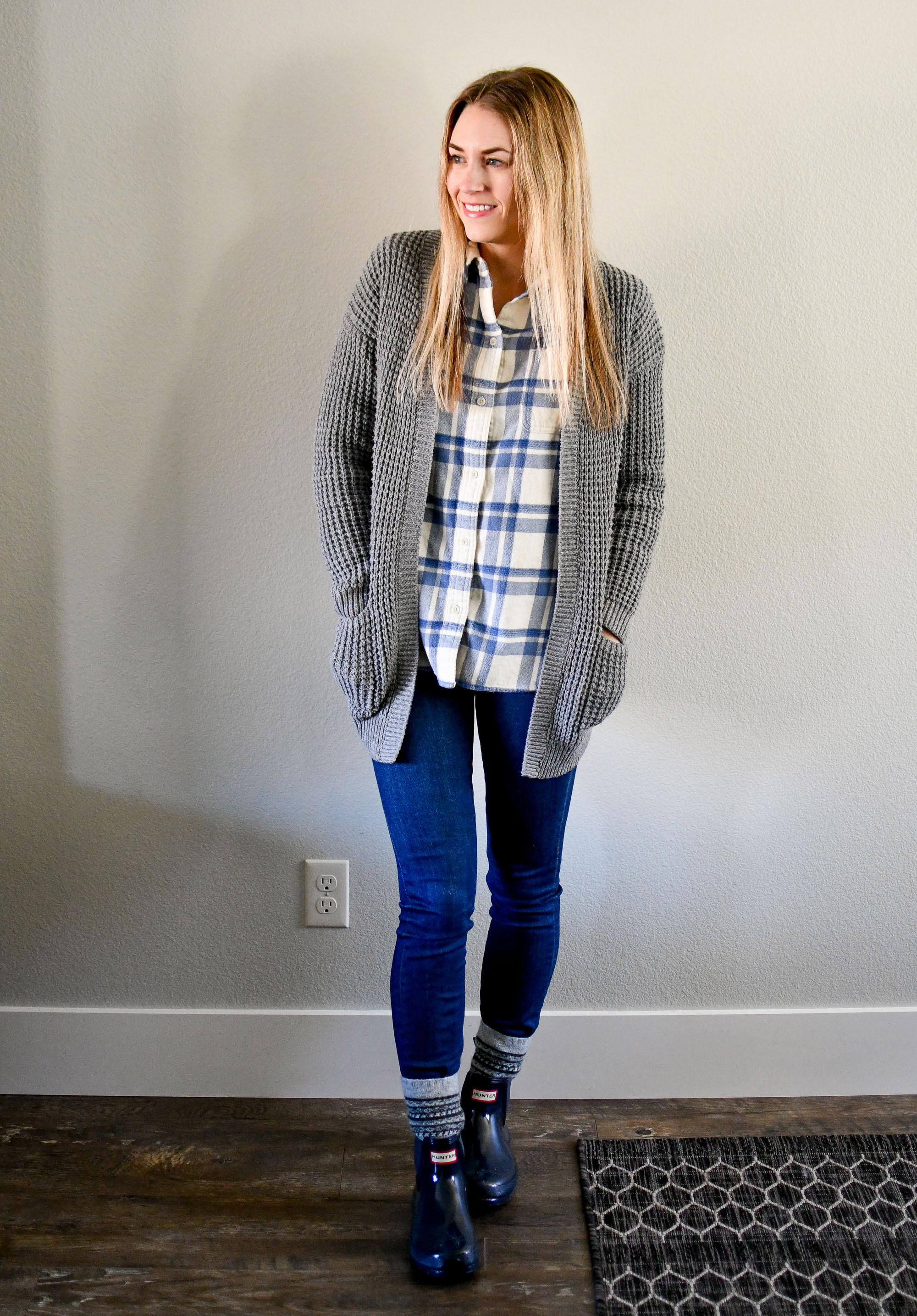 Casual rainy winter day outfit with cardigan and flannel shirt — Cotton Cashmere Cat Hair