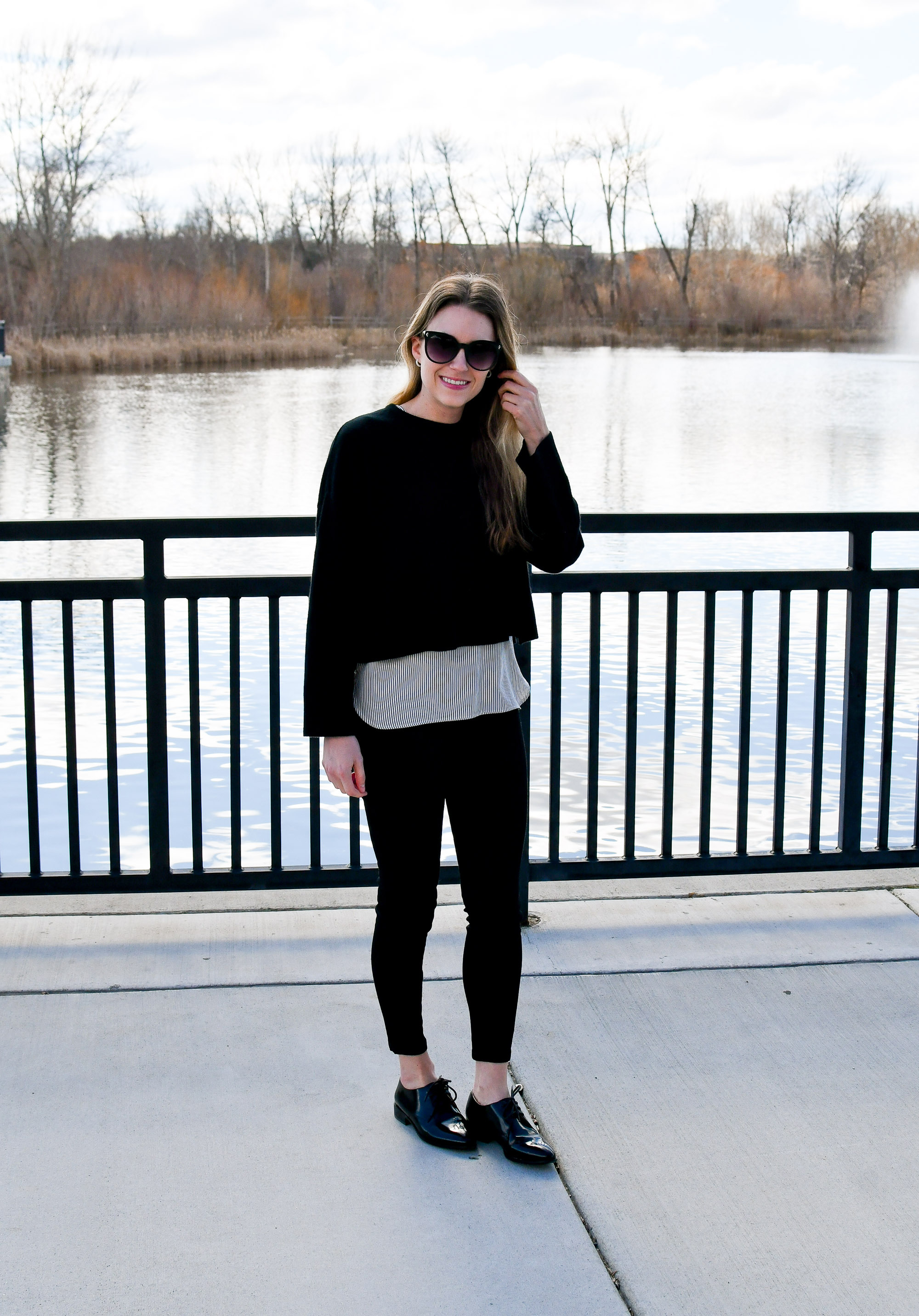 Casual winter outfit with black cropped sweater and black denim — Cotton Cashmere Cat Hair