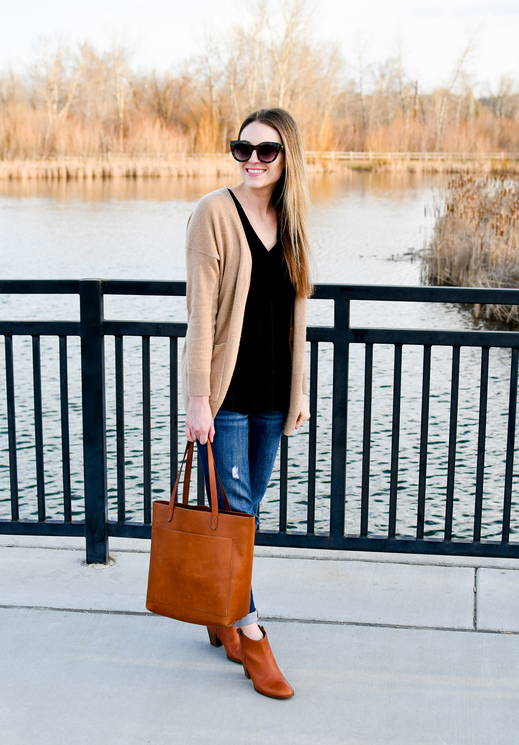 Madewell Transport tote work outfit with boyfriend jeans and ankle boots — Cotton Cashmere Cat Hair