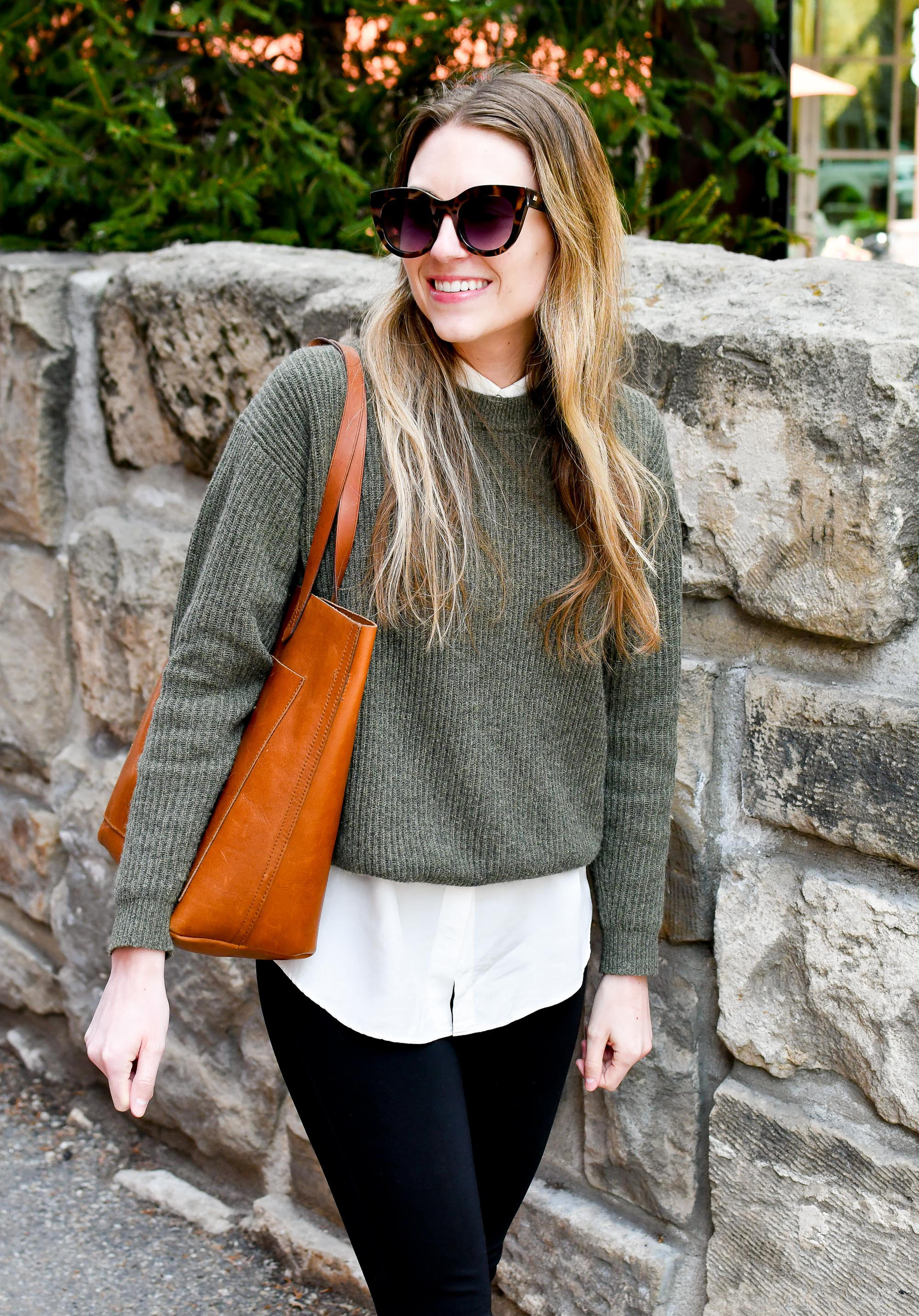 Spring work outfit with cashmere sweater and Madewell Transport tote — Cotton Cashmere Cat Hair