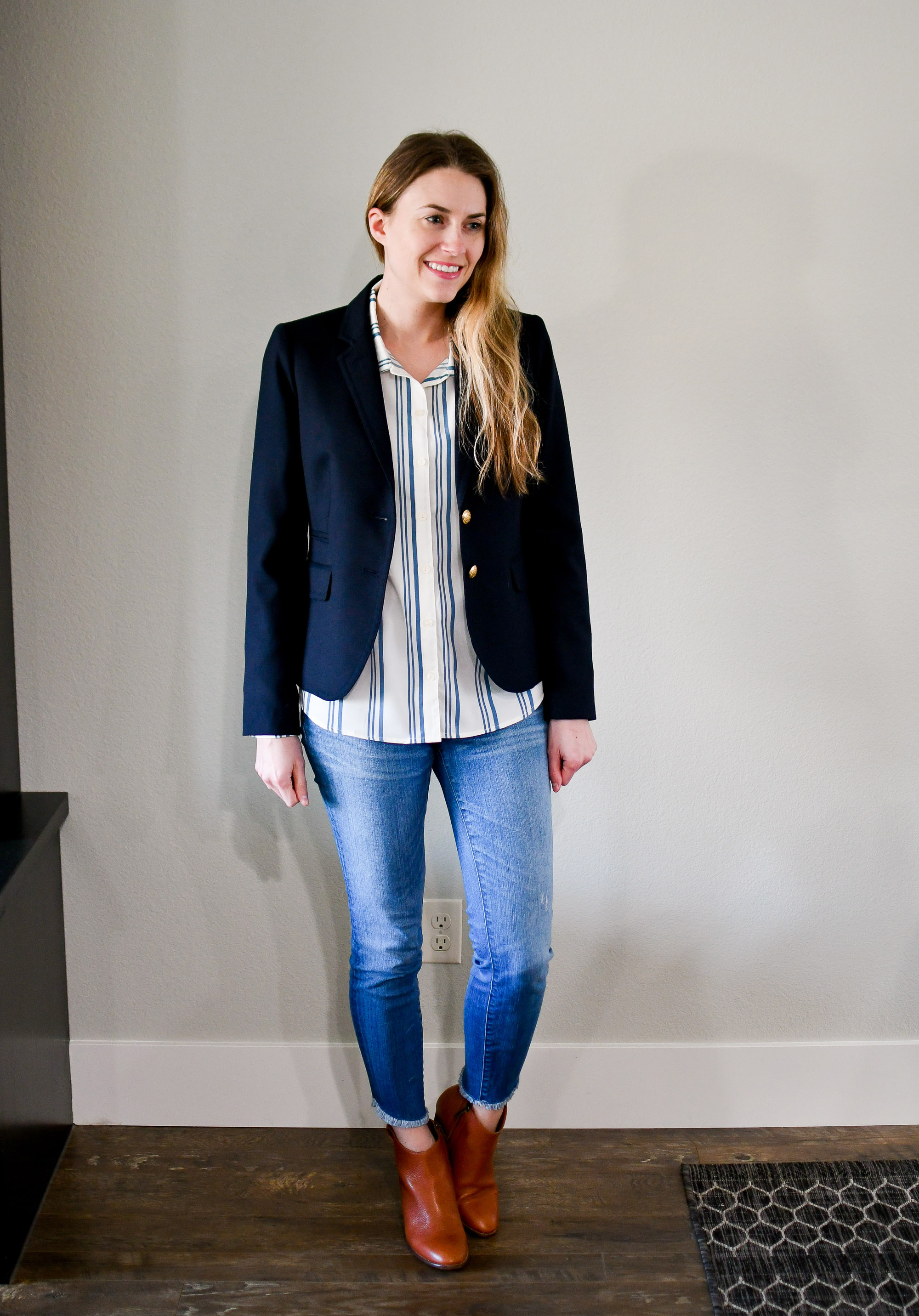 Work outfit with navy blazer and denim — Cotton Cashmere Cat Hair