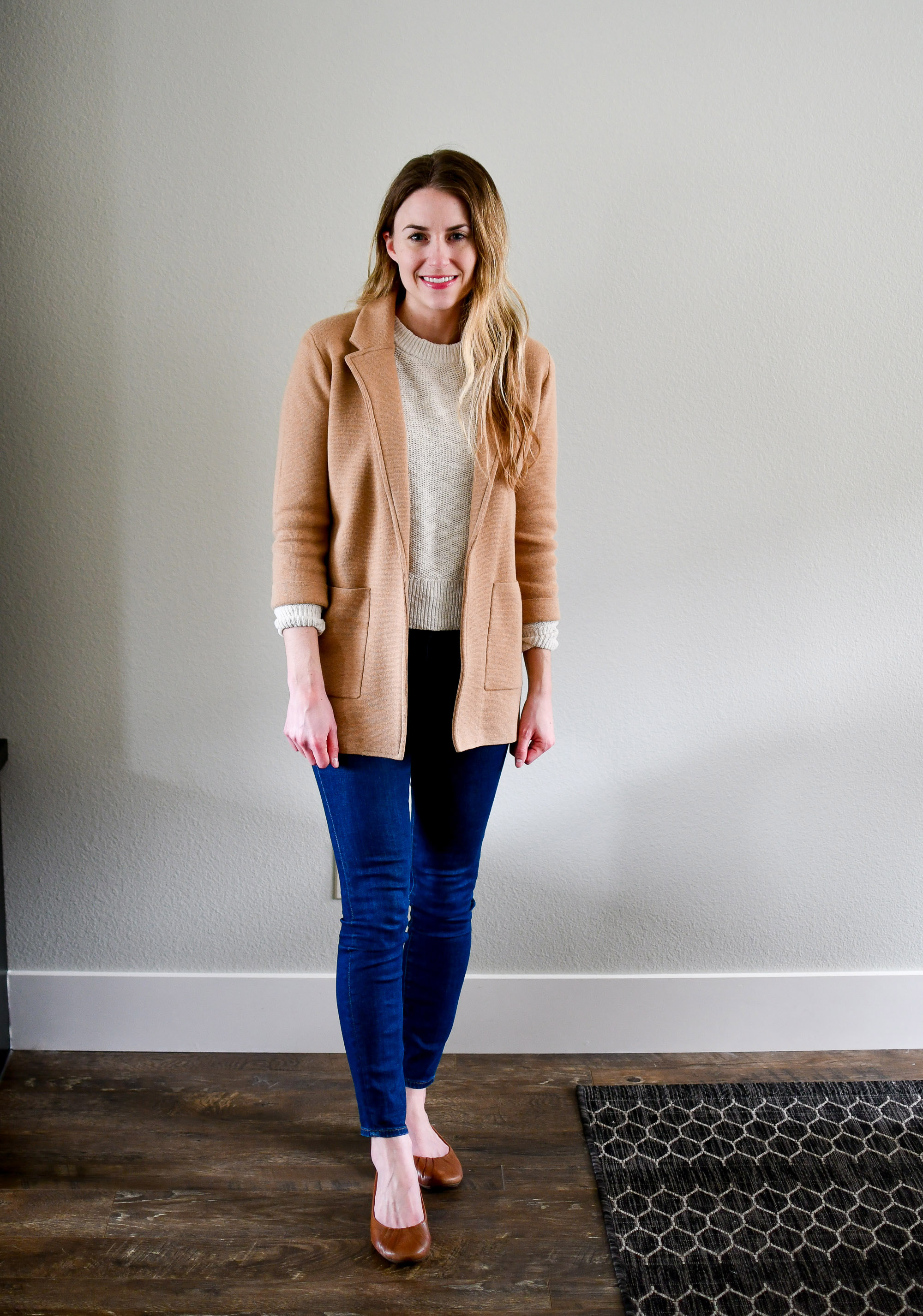 Spring outfit with camel sweater blazer and skinny jeans — Cotton Cashmere Cat Hair