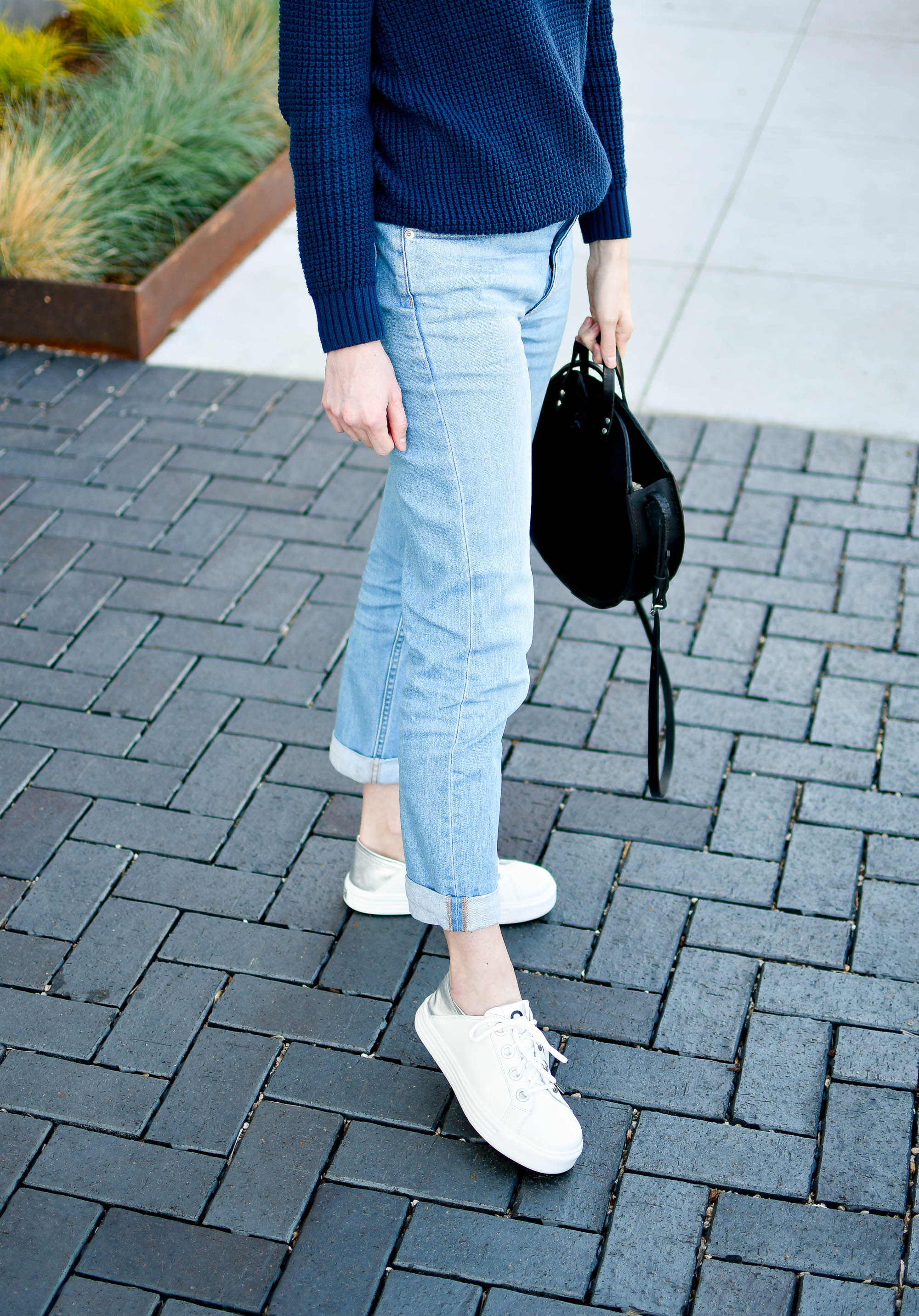 Earth Cedarwood sneakers in white spring outfit — Cotton Cashmere Cat Hair
